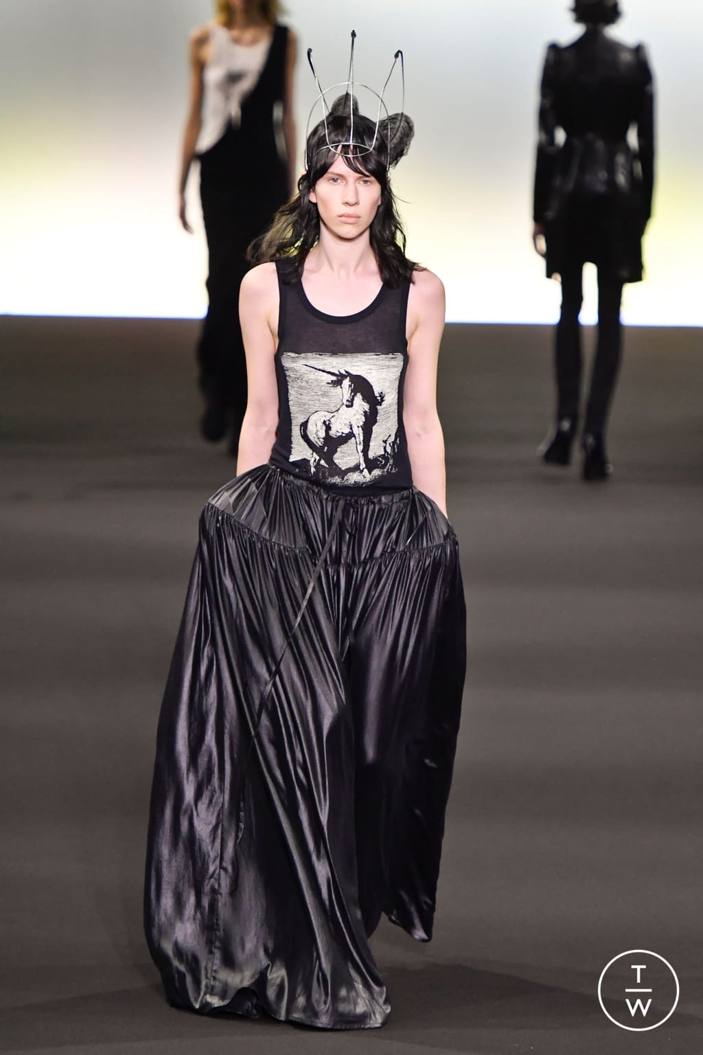 Fashion Week Paris Fall/Winter 2020 look 9 from the Ann Demeulemeester collection 女装