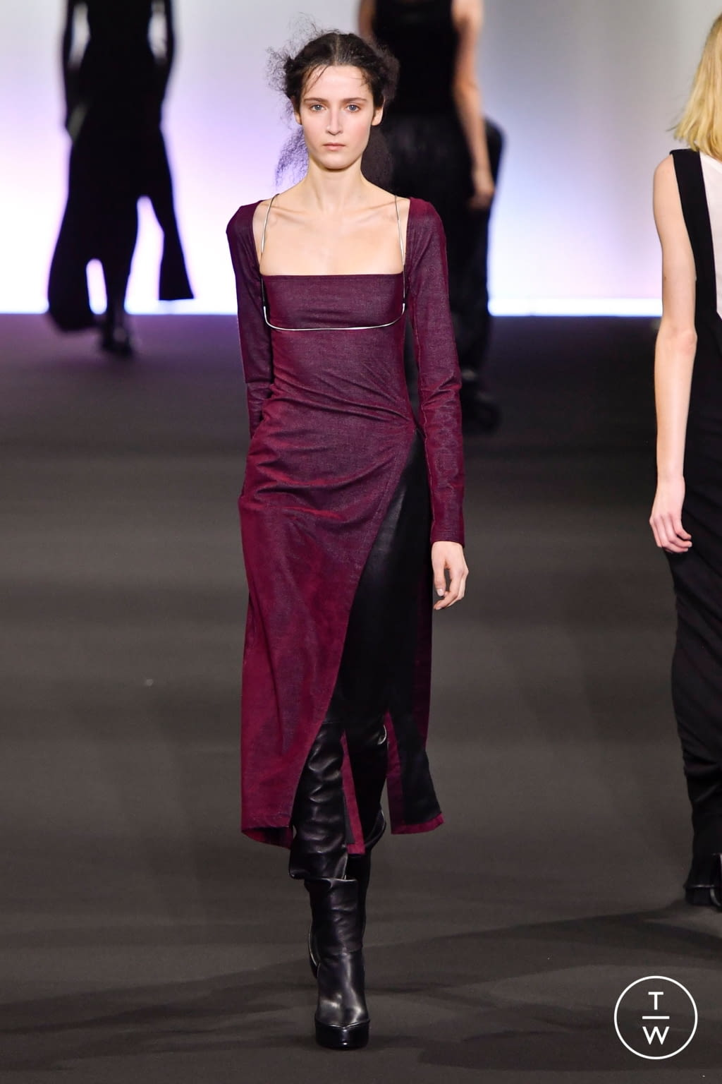 Fashion Week Paris Fall/Winter 2020 look 12 from the Ann Demeulemeester collection 女装