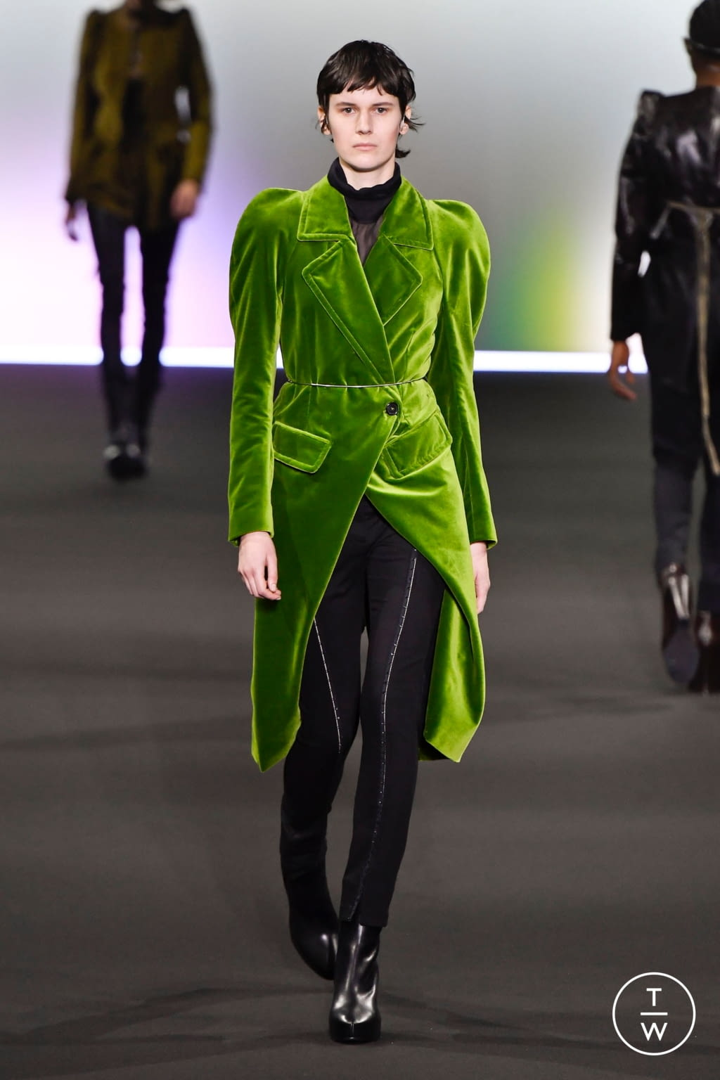 Fashion Week Paris Fall/Winter 2020 look 16 from the Ann Demeulemeester collection 女装