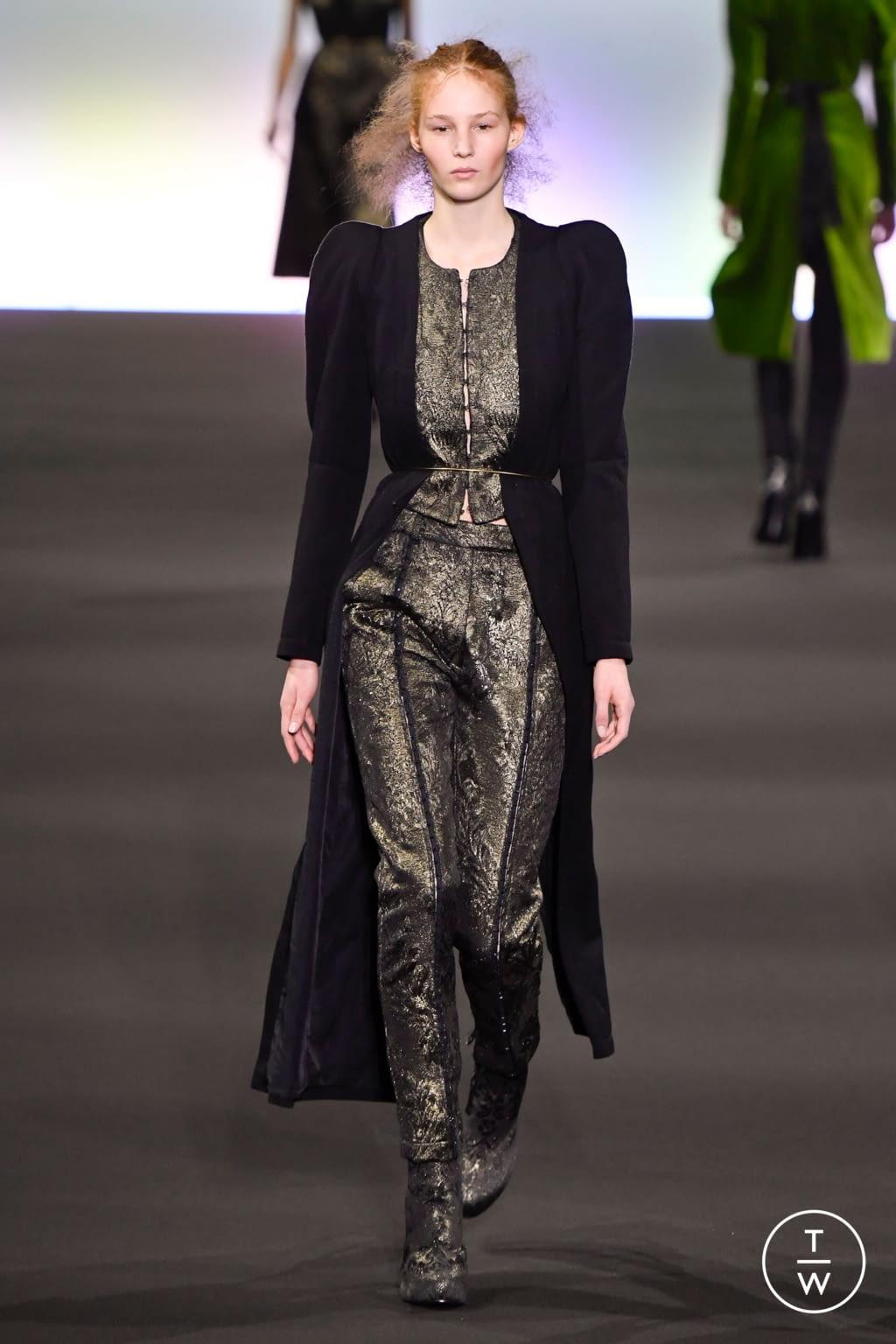 Fashion Week Paris Fall/Winter 2020 look 18 de la collection Ann Demeulemeester womenswear