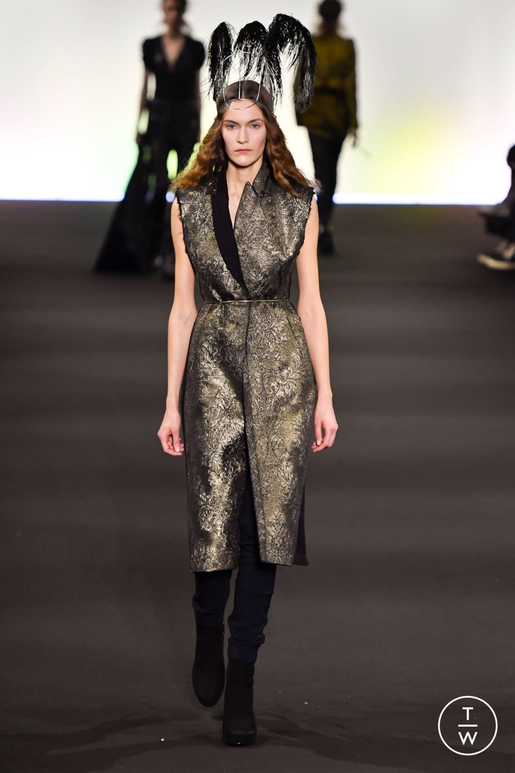 Fashion Week Paris Fall/Winter 2020 look 19 from the Ann Demeulemeester collection 女装