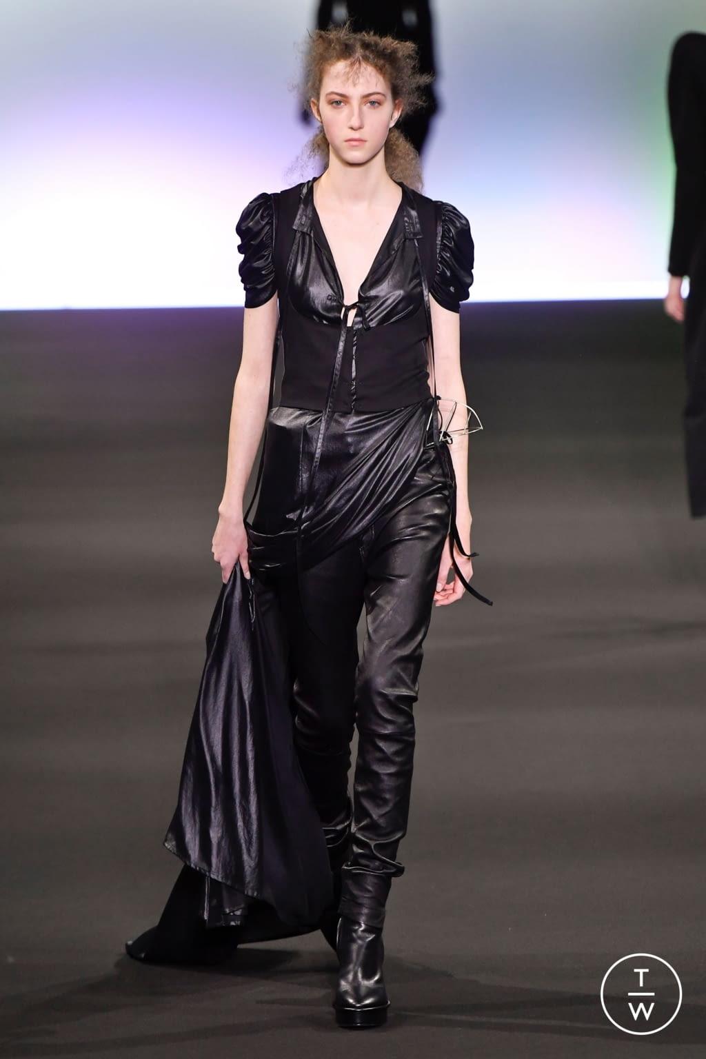 Fashion Week Paris Fall/Winter 2020 look 20 de la collection Ann Demeulemeester womenswear