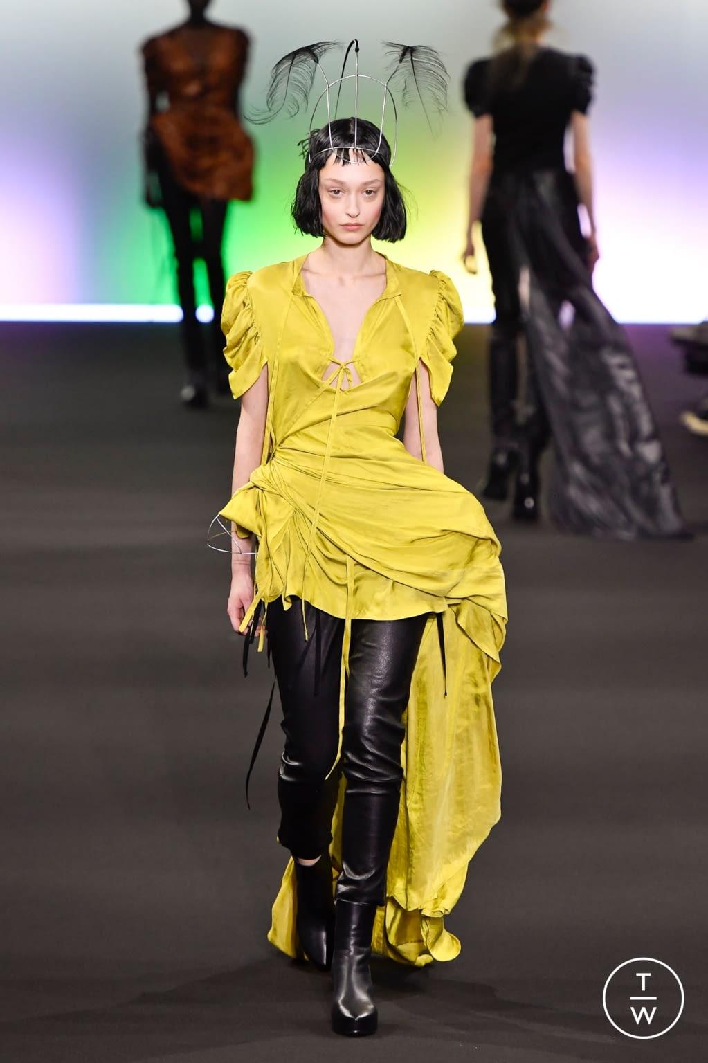 Fashion Week Paris Fall/Winter 2020 look 22 de la collection Ann Demeulemeester womenswear
