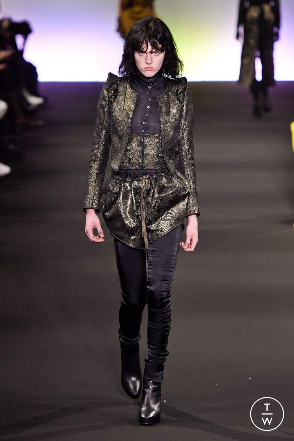 Fashion Week Paris Fall/Winter 2020 look 24 de la collection Ann Demeulemeester womenswear