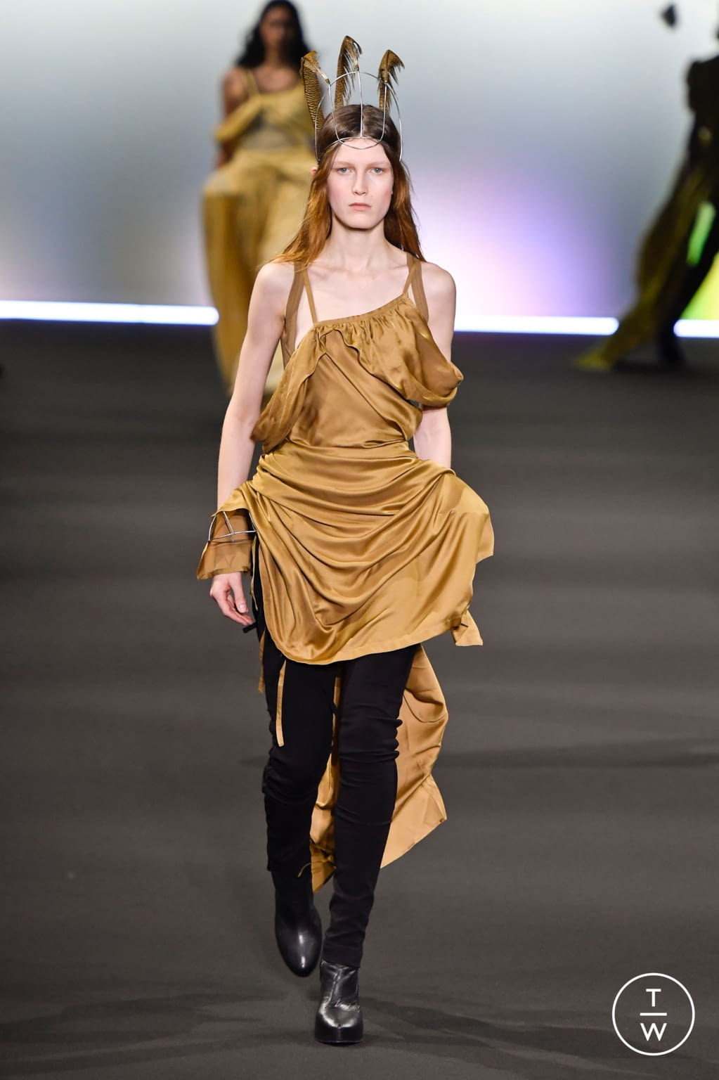 Fashion Week Paris Fall/Winter 2020 look 25 from the Ann Demeulemeester collection womenswear