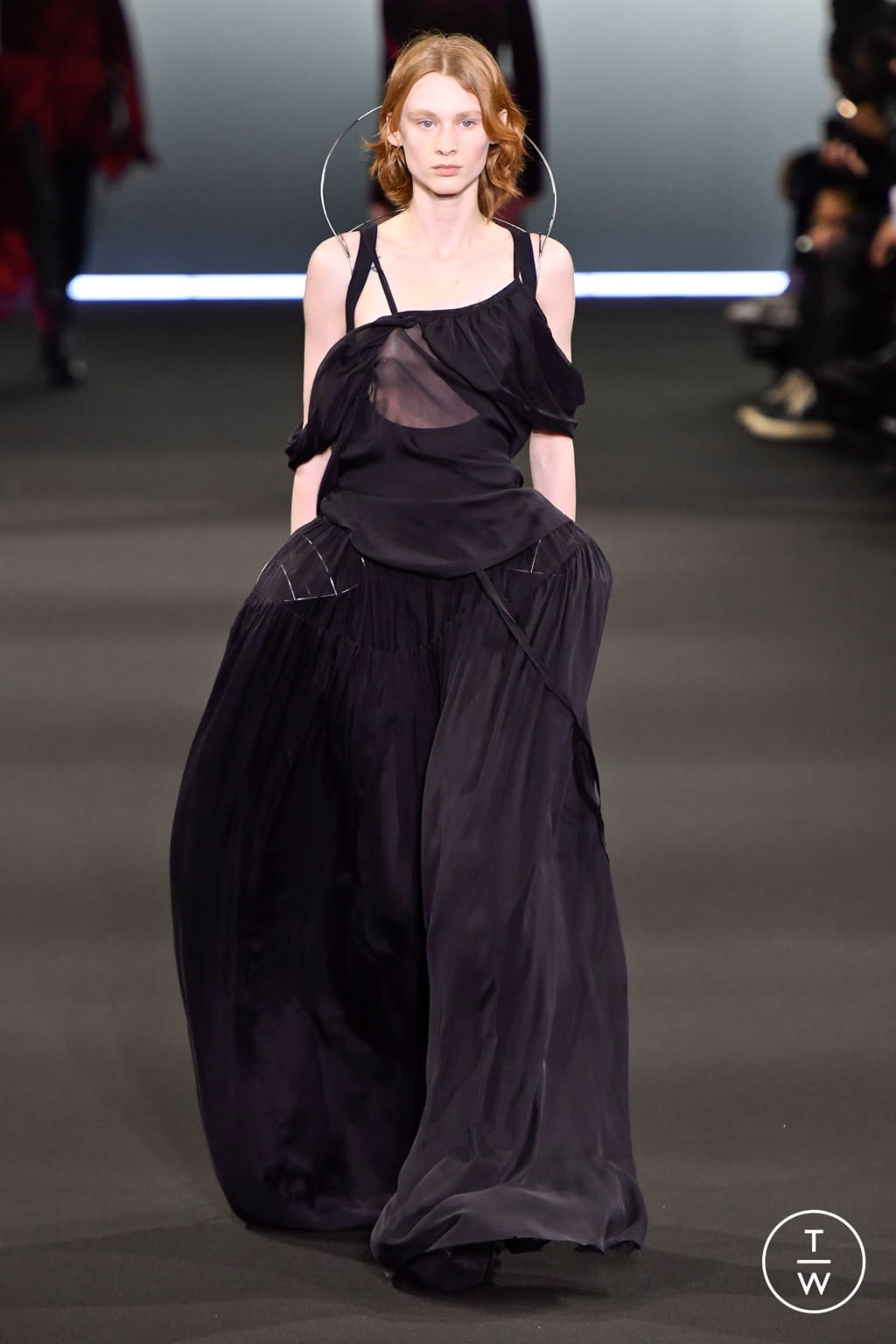 Fashion Week Paris Fall/Winter 2020 look 32 de la collection Ann Demeulemeester womenswear