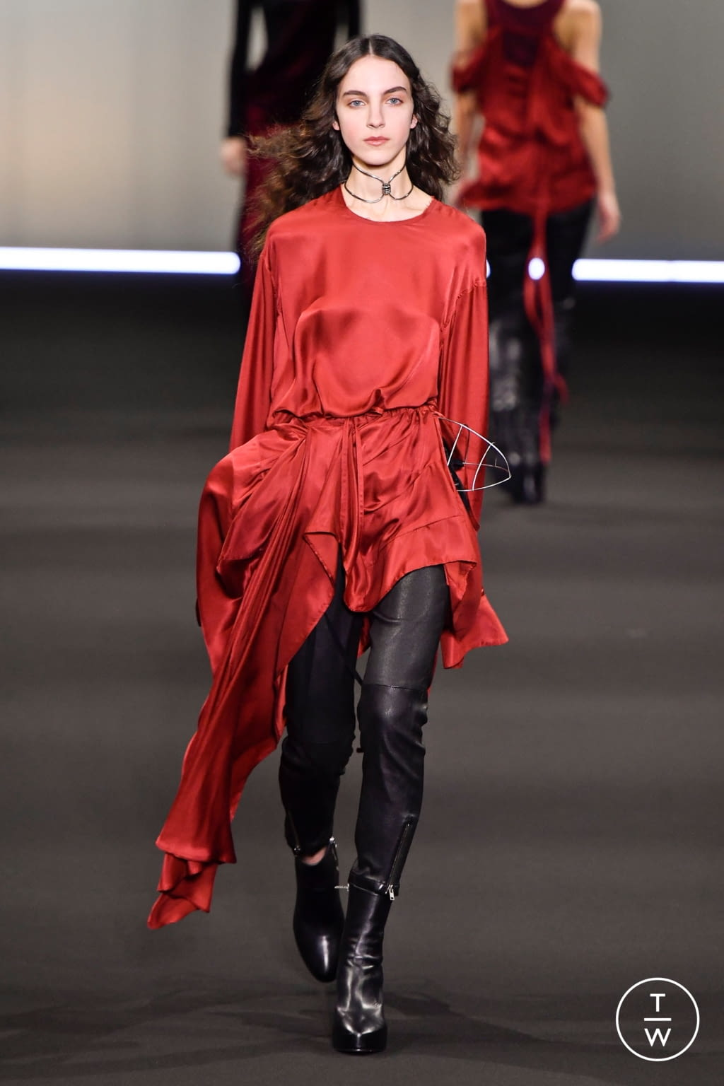 Fashion Week Paris Fall/Winter 2020 look 33 from the Ann Demeulemeester collection womenswear