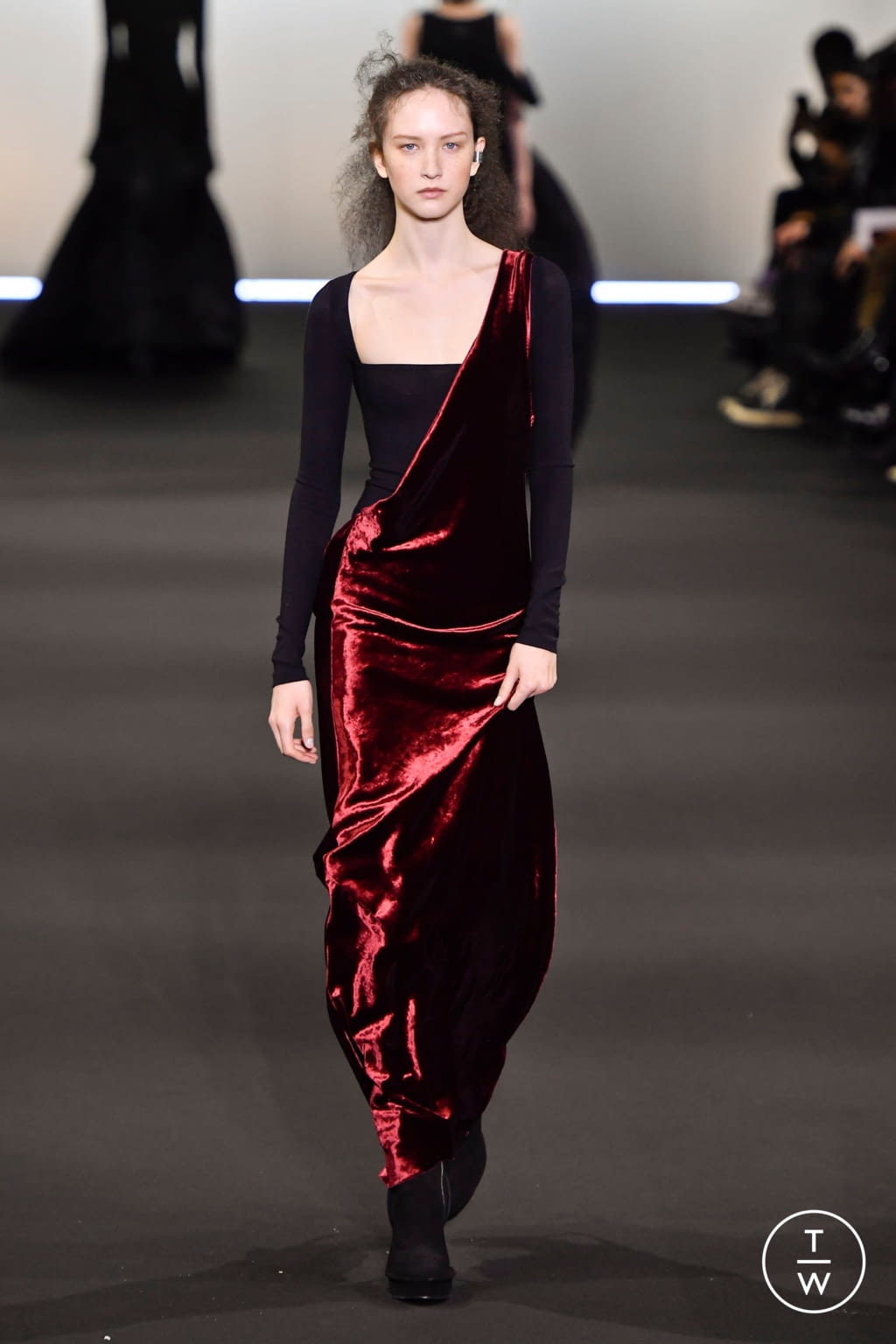 Fashion Week Paris Fall/Winter 2020 look 34 de la collection Ann Demeulemeester womenswear