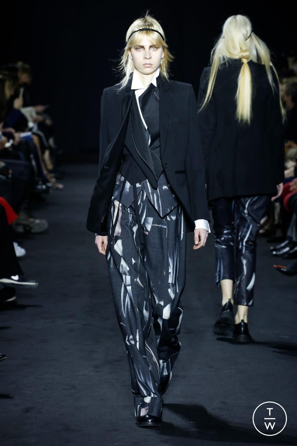 Fashion Week Paris Fall/Winter 2016 look 11 de la collection Ann Demeulemeester womenswear