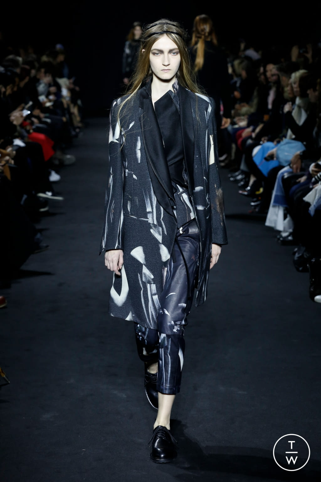 Fashion Week Paris Fall/Winter 2016 look 20 de la collection Ann Demeulemeester womenswear