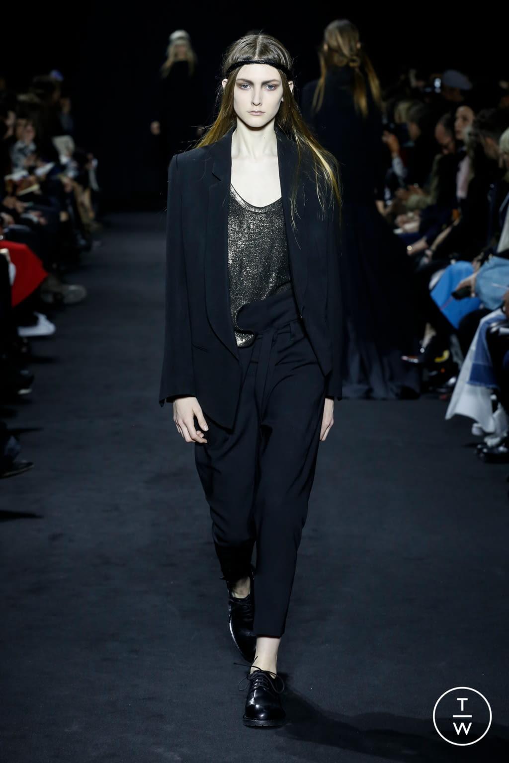 Fashion Week Paris Fall/Winter 2016 look 22 de la collection Ann Demeulemeester womenswear