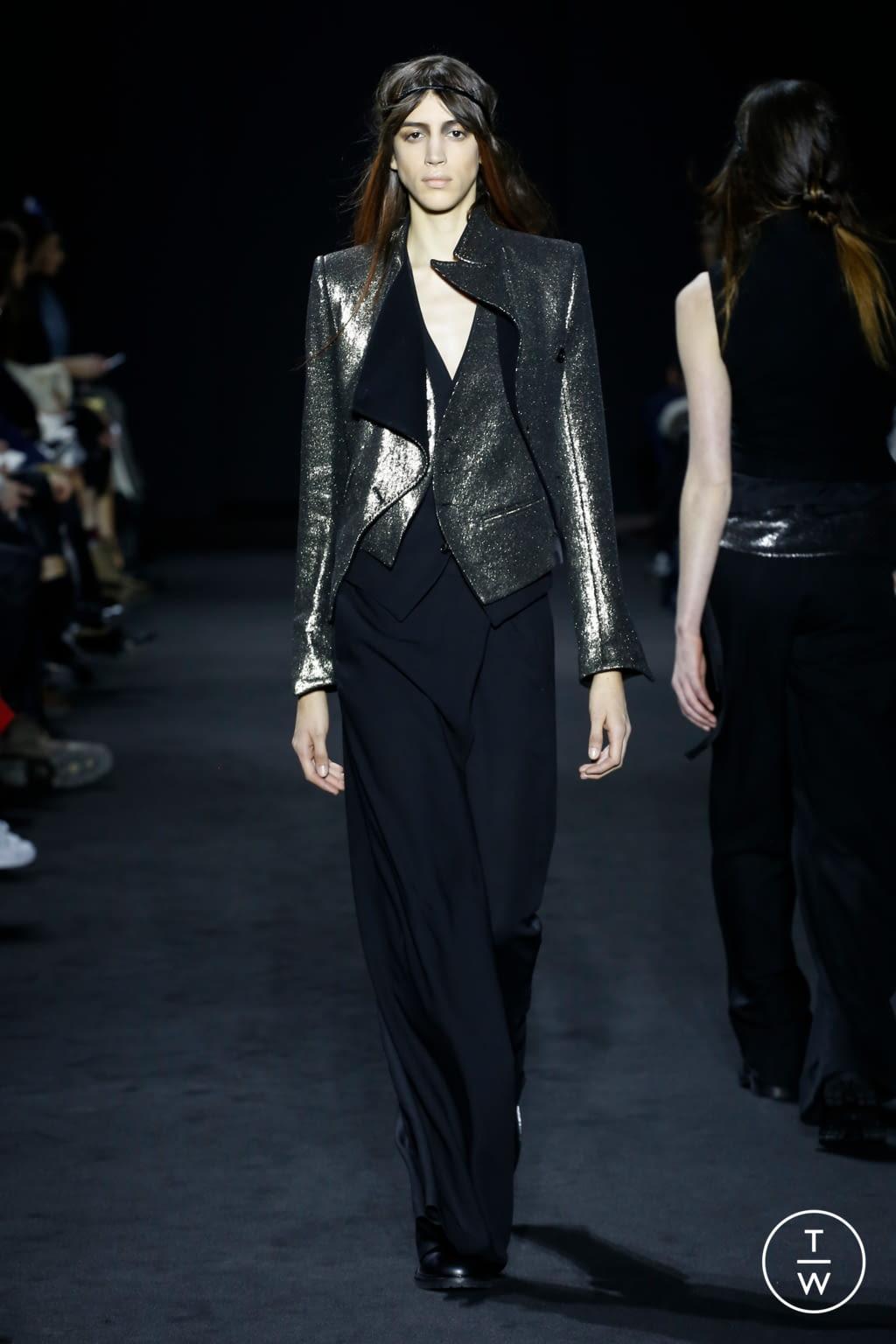 Fashion Week Paris Fall/Winter 2016 look 28 de la collection Ann Demeulemeester womenswear