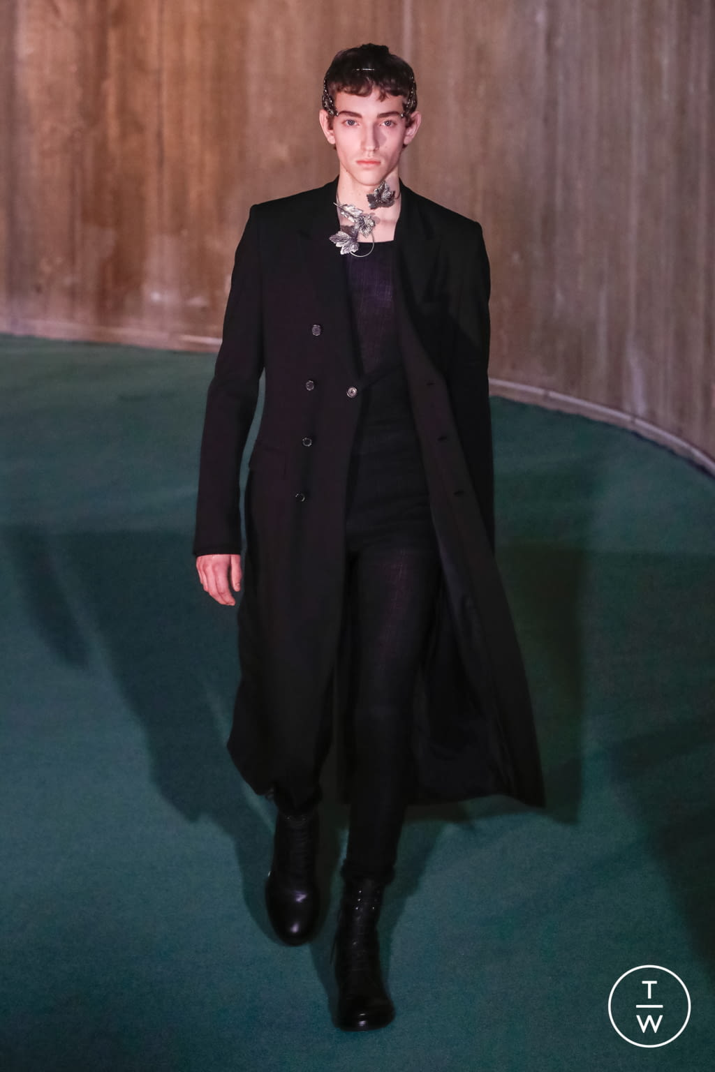 Fashion Week Paris Fall/Winter 2020 look 1 from the Ann Demeulemeester collection 男装
