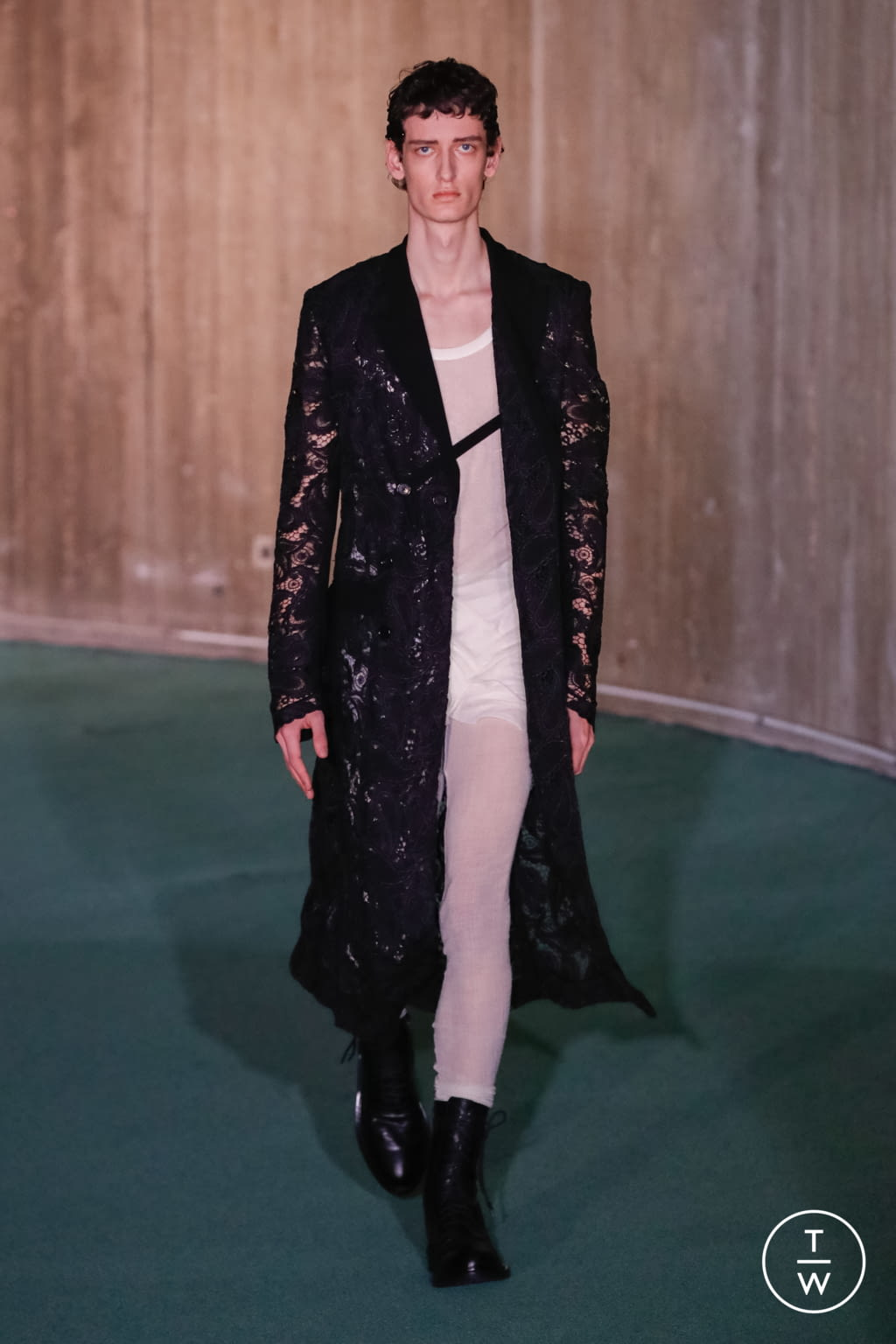 Fashion Week Paris Fall/Winter 2020 look 5 from the Ann Demeulemeester collection menswear