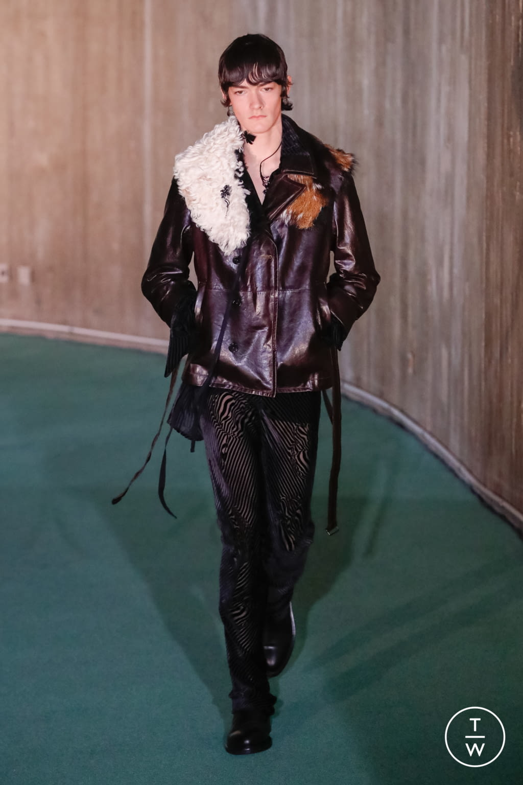 Fashion Week Paris Fall/Winter 2020 look 14 from the Ann Demeulemeester collection menswear
