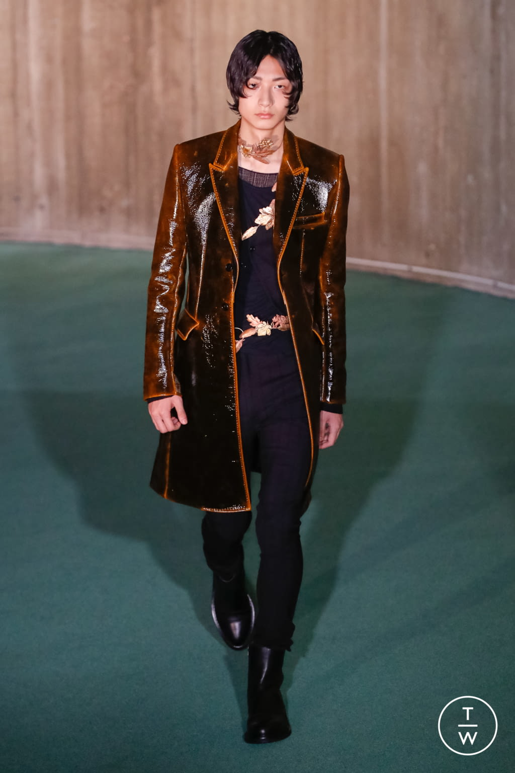 Fashion Week Paris Fall/Winter 2020 look 24 from the Ann Demeulemeester collection menswear