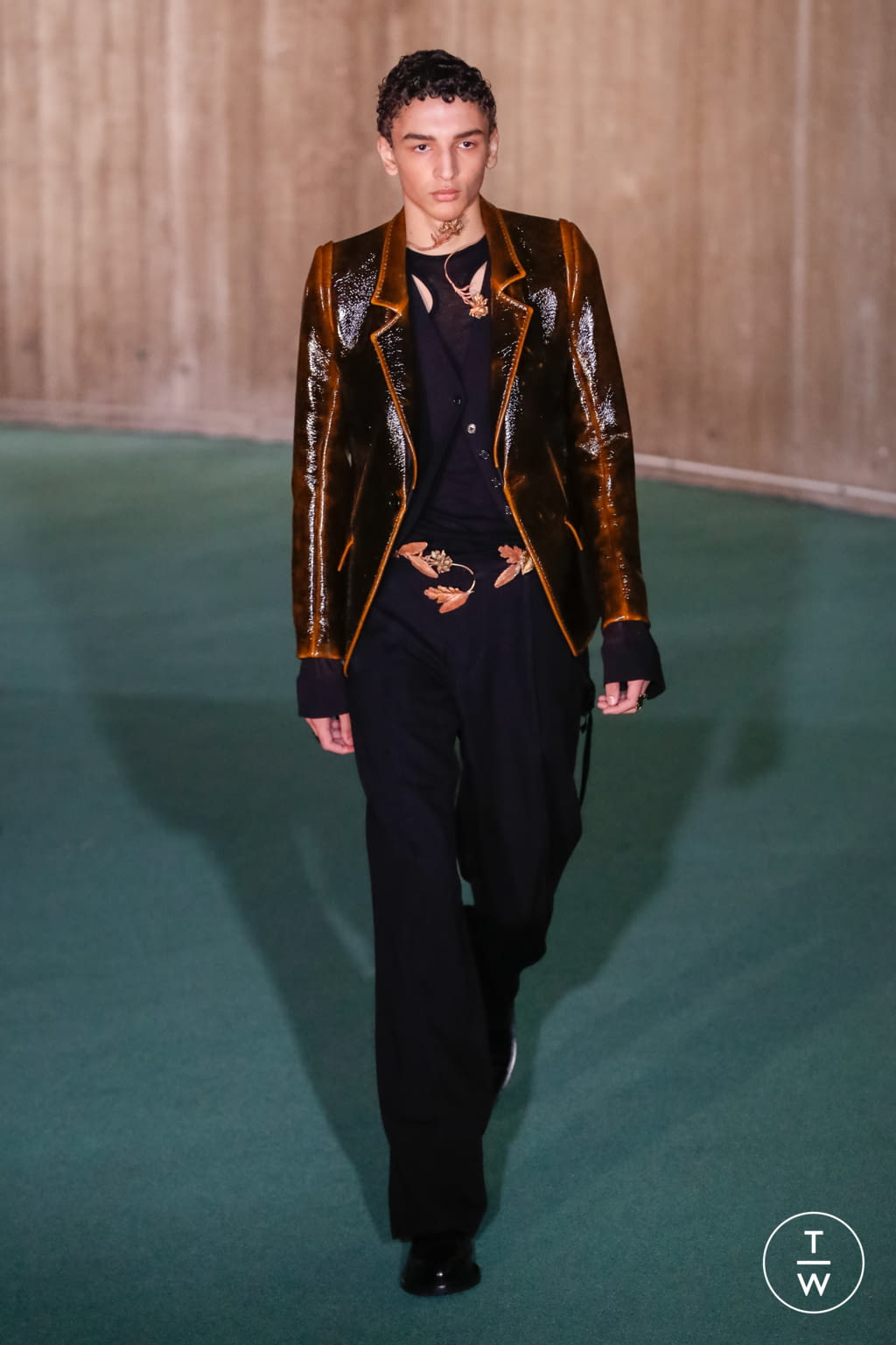 Fashion Week Paris Fall/Winter 2020 look 26 from the Ann Demeulemeester collection menswear