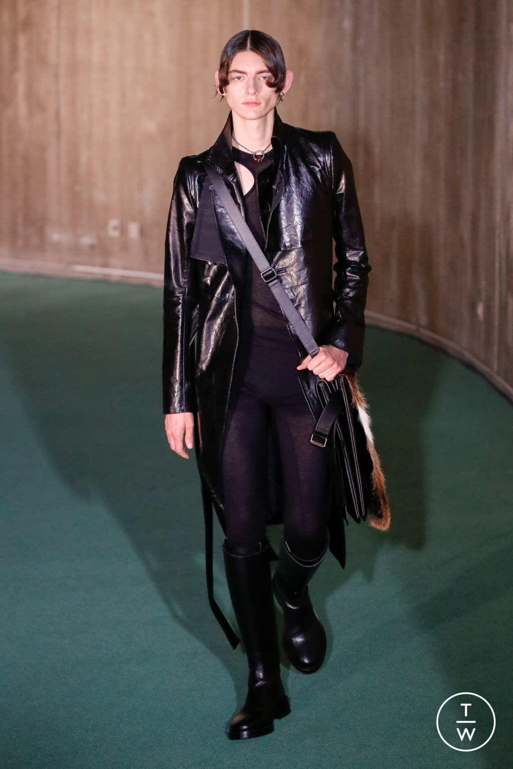 Fashion Week Paris Fall/Winter 2020 look 41 from the Ann Demeulemeester collection menswear