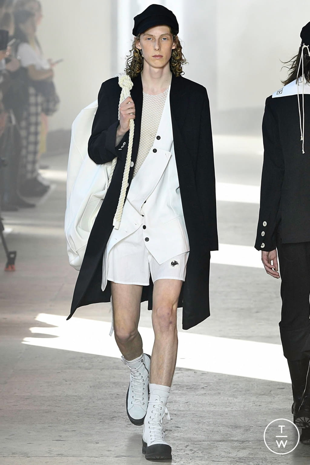 Fashion Week Paris Spring/Summer 2020 look 4 from the Ann Demeulemeester collection menswear