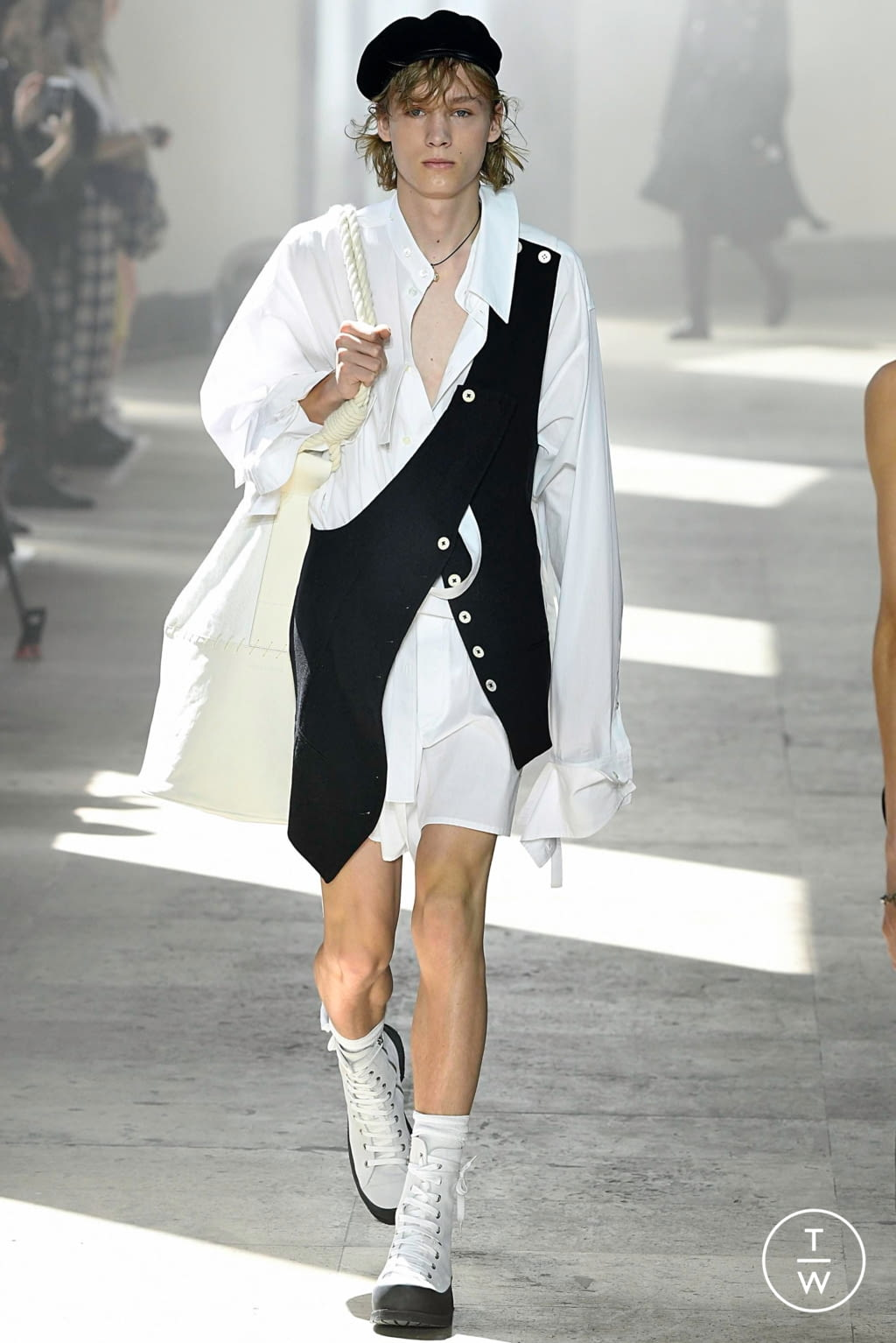 Fashion Week Paris Spring/Summer 2020 look 6 from the Ann Demeulemeester collection menswear