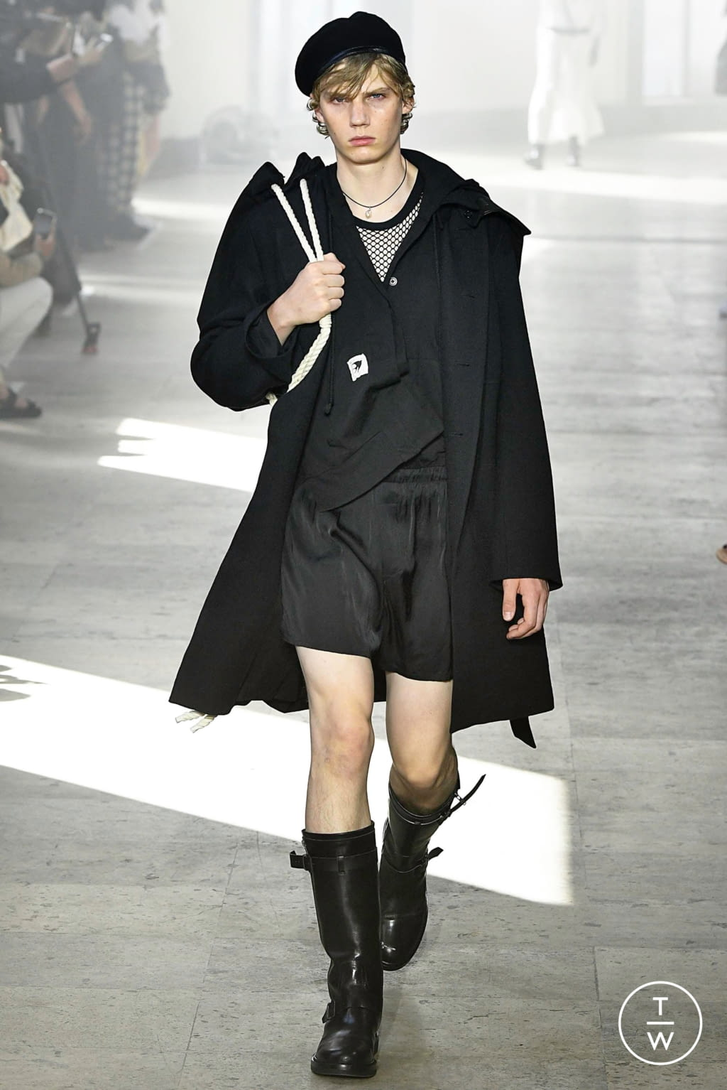 Fashion Week Paris Spring/Summer 2020 look 10 from the Ann Demeulemeester collection menswear