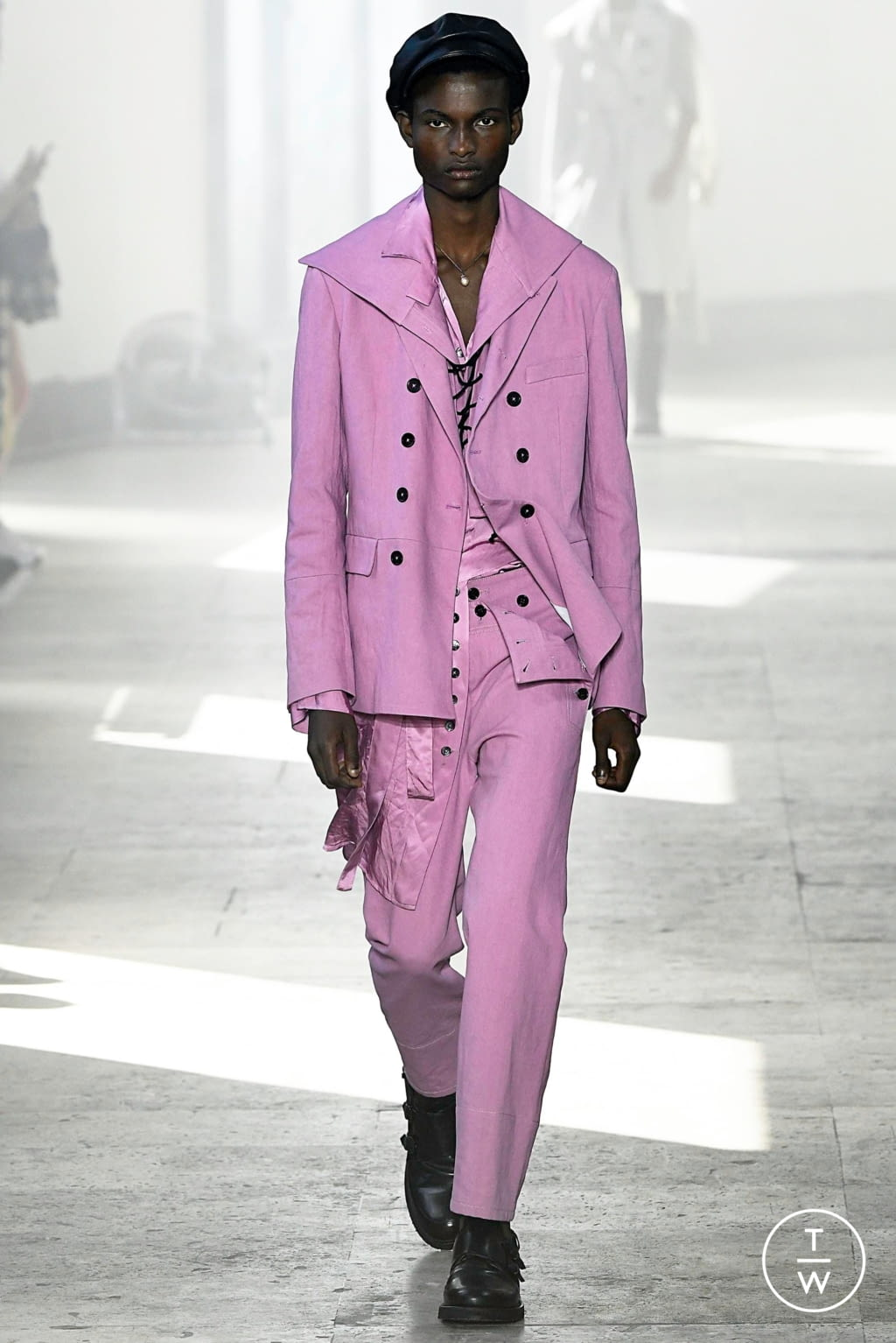 Fashion Week Paris Spring/Summer 2020 look 17 from the Ann Demeulemeester collection 男装