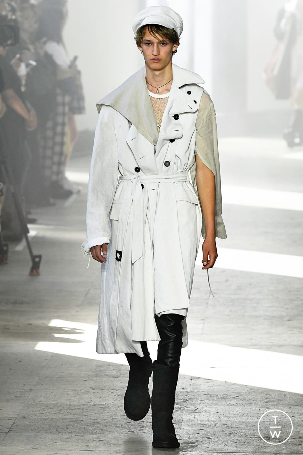 Fashion Week Paris Spring/Summer 2020 look 18 from the Ann Demeulemeester collection menswear