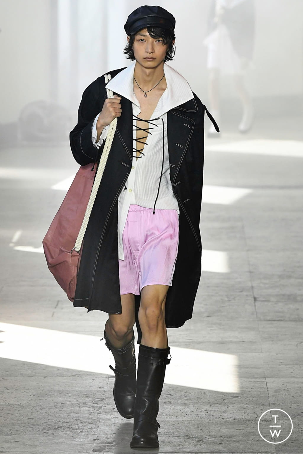 Fashion Week Paris Spring/Summer 2020 look 19 from the Ann Demeulemeester collection menswear