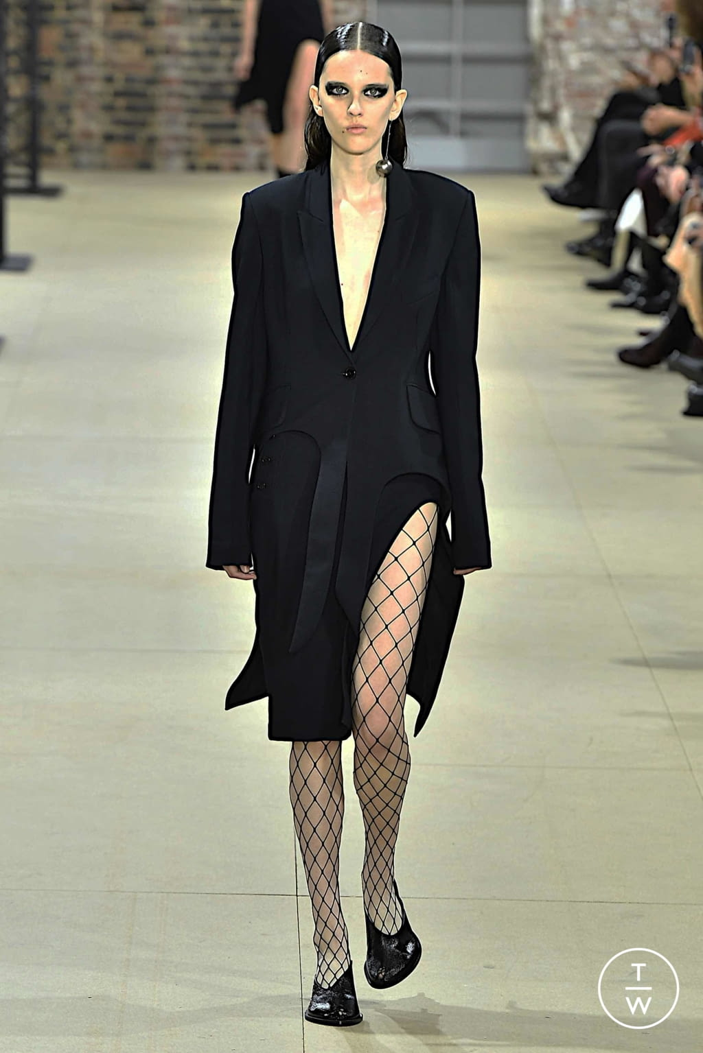 Fashion Week Paris Spring/Summer 2020 look 1 from the Ann Demeulemeester collection womenswear
