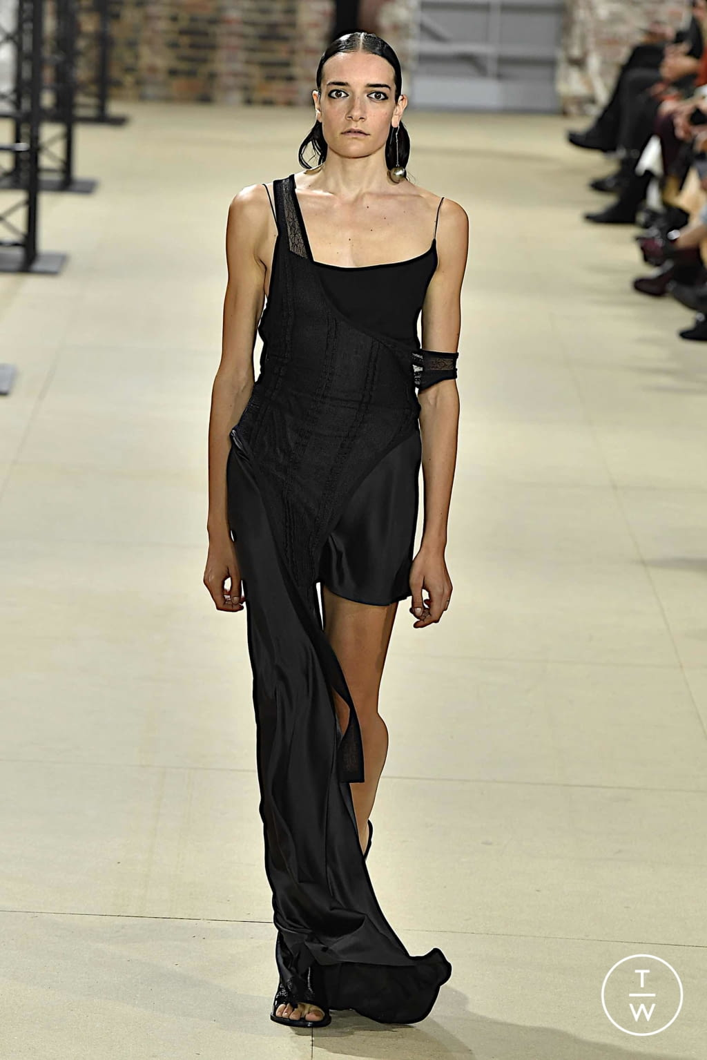 Fashion Week Paris Spring/Summer 2020 look 16 from the Ann Demeulemeester collection womenswear