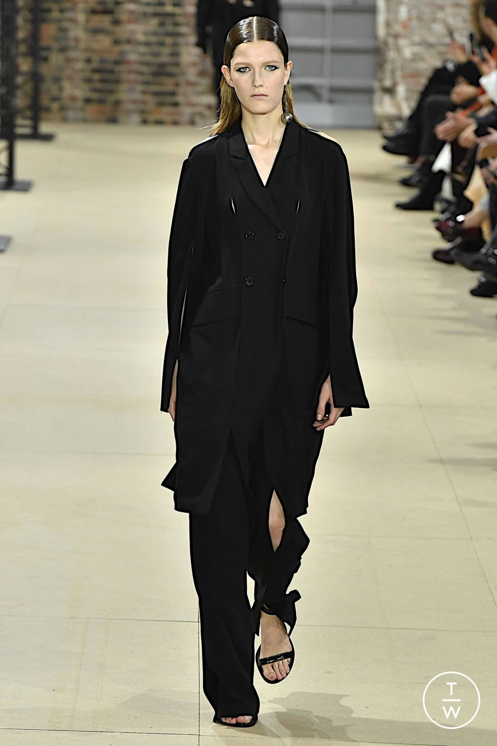 Fashion Week Paris Spring/Summer 2020 look 26 from the Ann Demeulemeester collection womenswear