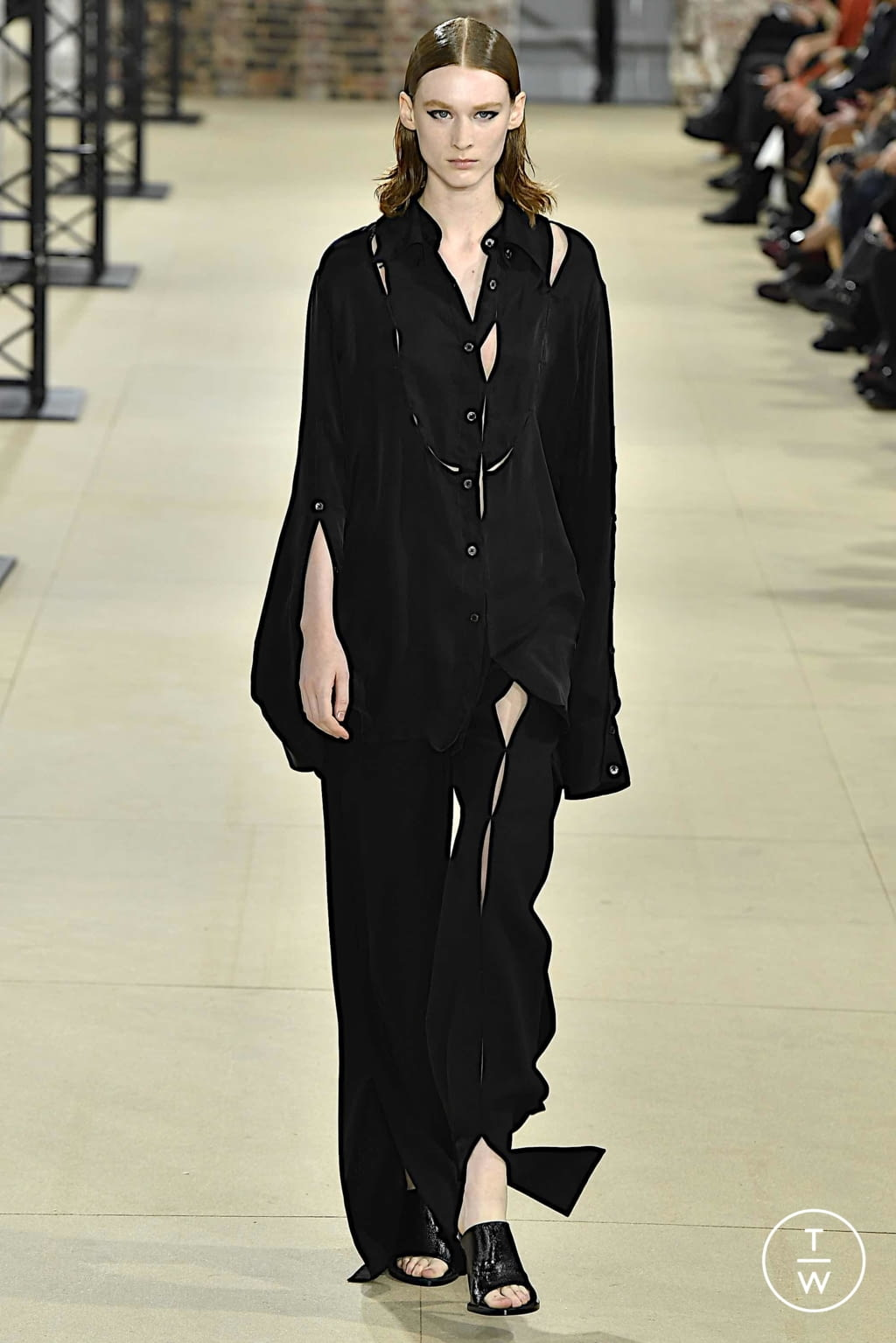 Fashion Week Paris Spring/Summer 2020 look 28 from the Ann Demeulemeester collection 女装