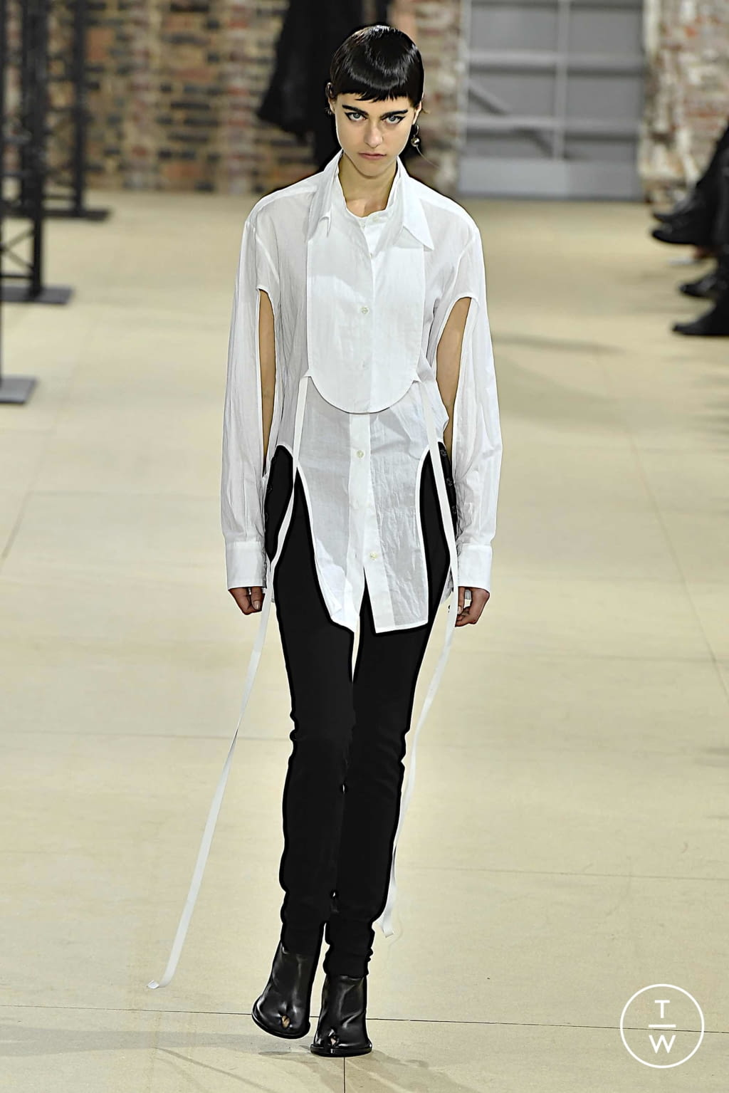 Fashion Week Paris Spring/Summer 2020 look 29 from the Ann Demeulemeester collection womenswear