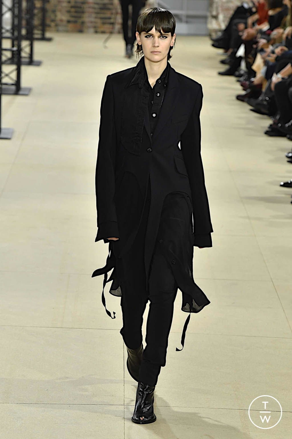 Fashion Week Paris Spring/Summer 2020 look 36 from the Ann Demeulemeester collection womenswear