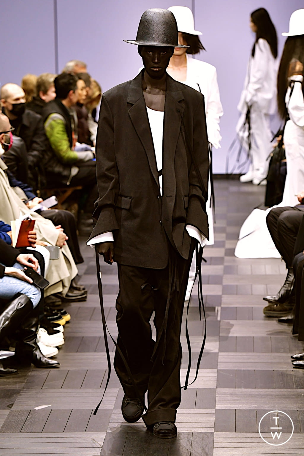 Fashion Week Paris Spring/Summer 2022 look 8 from the Ann Demeulemeester collection womenswear