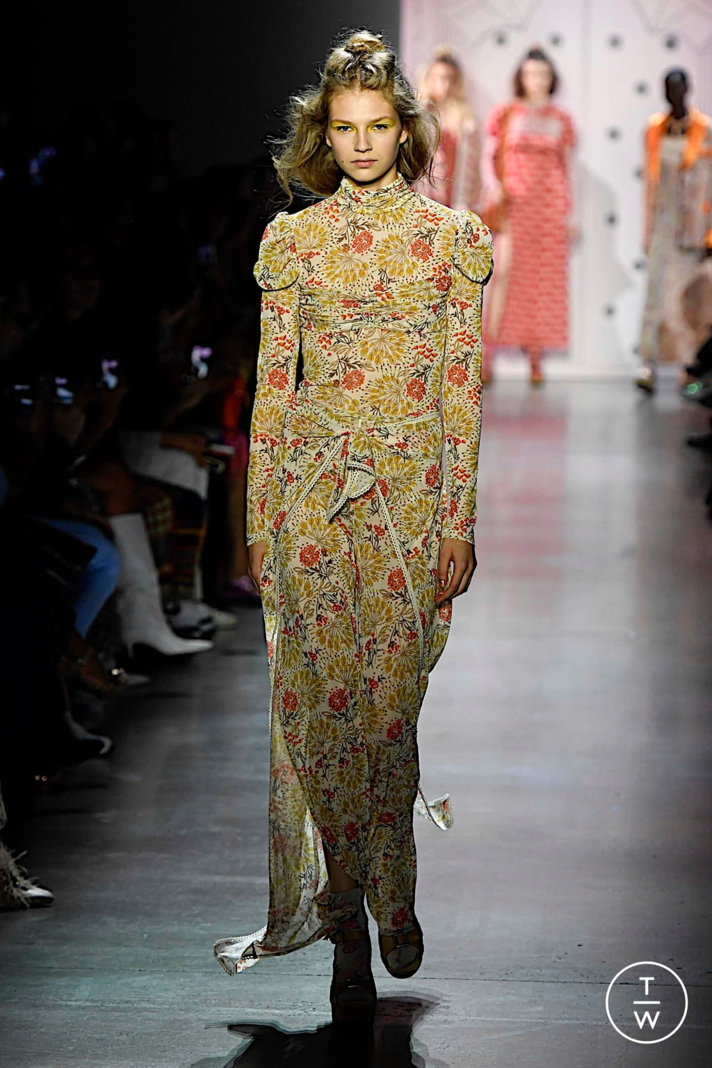 Fashion Week New York Spring/Summer 2020 look 1 from the Anna Sui collection 女装