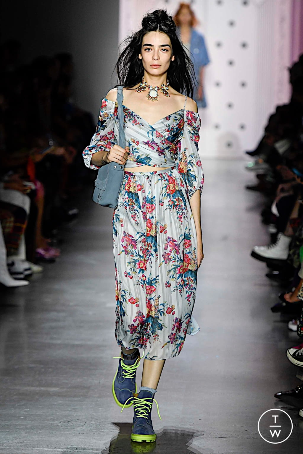 Fashion Week New York Spring/Summer 2020 look 19 from the Anna Sui collection 女装