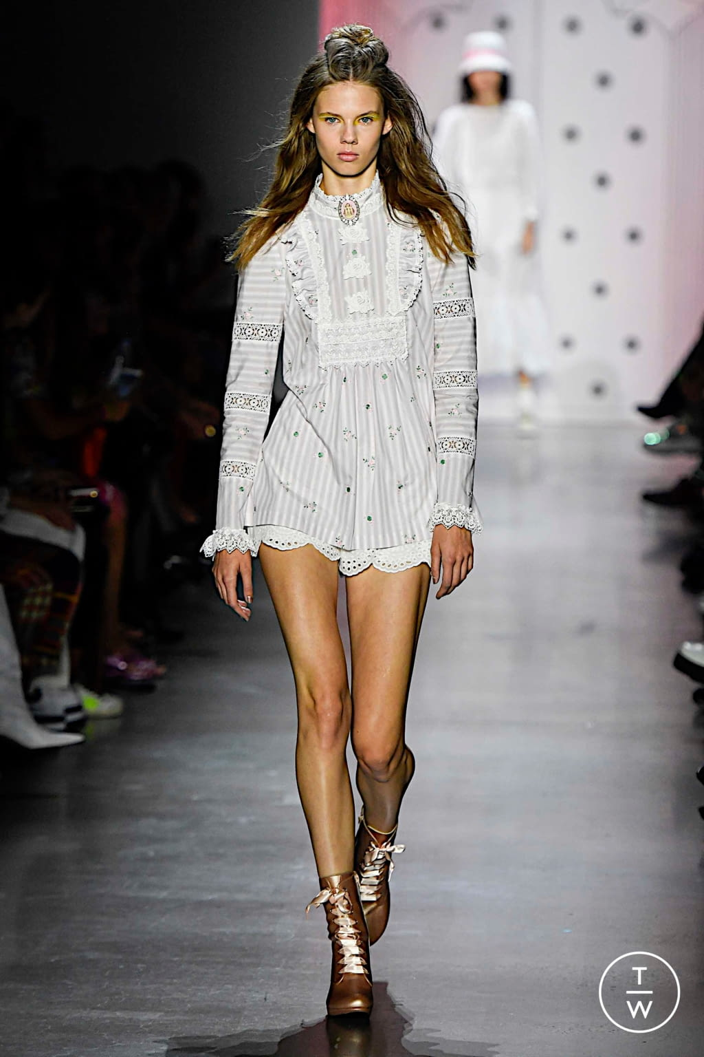 Fashion Week New York Spring/Summer 2020 look 36 from the Anna Sui collection womenswear