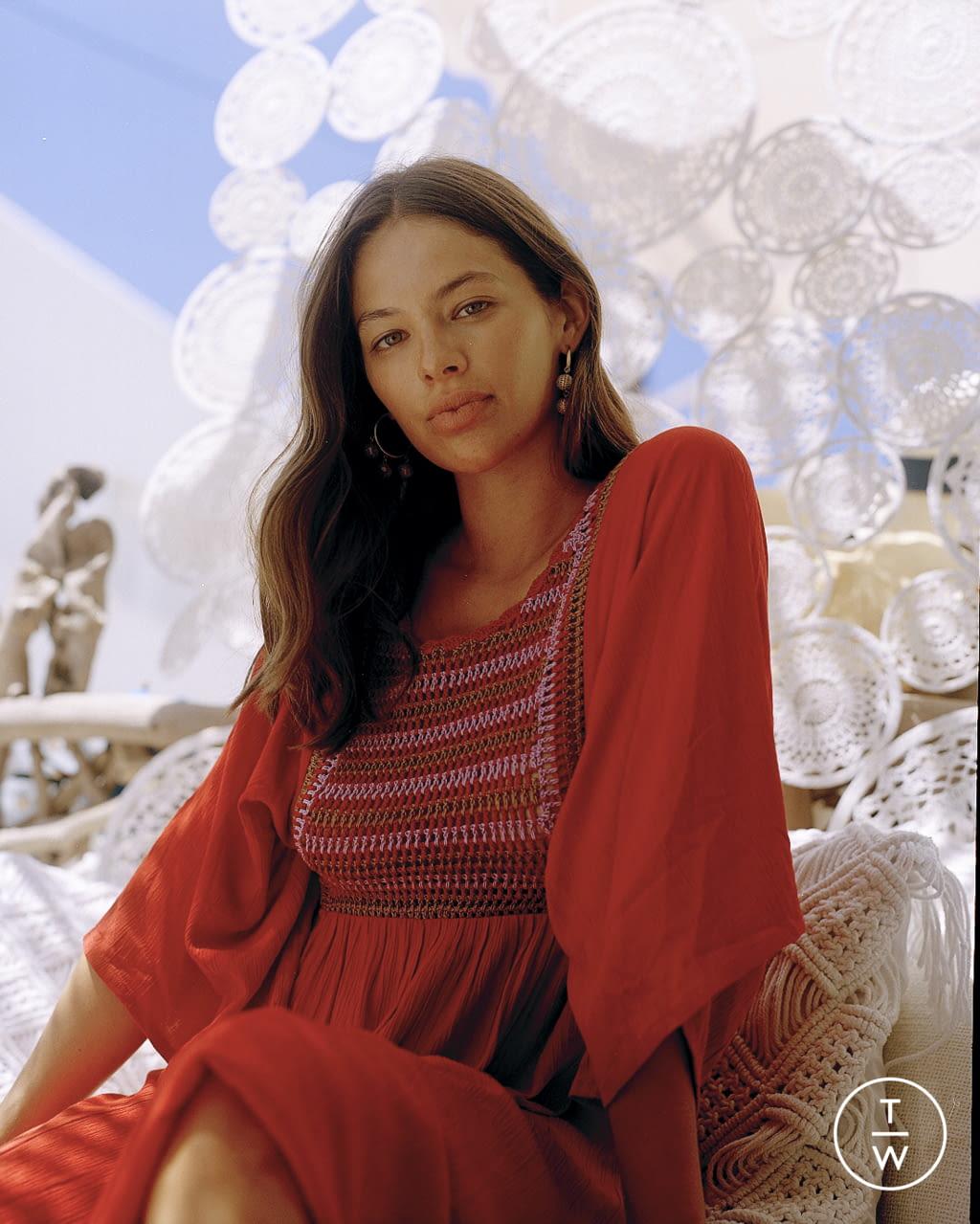 Fashion Week Paris Spring/Summer 2022 look 15 from the Antik Batik collection womenswear