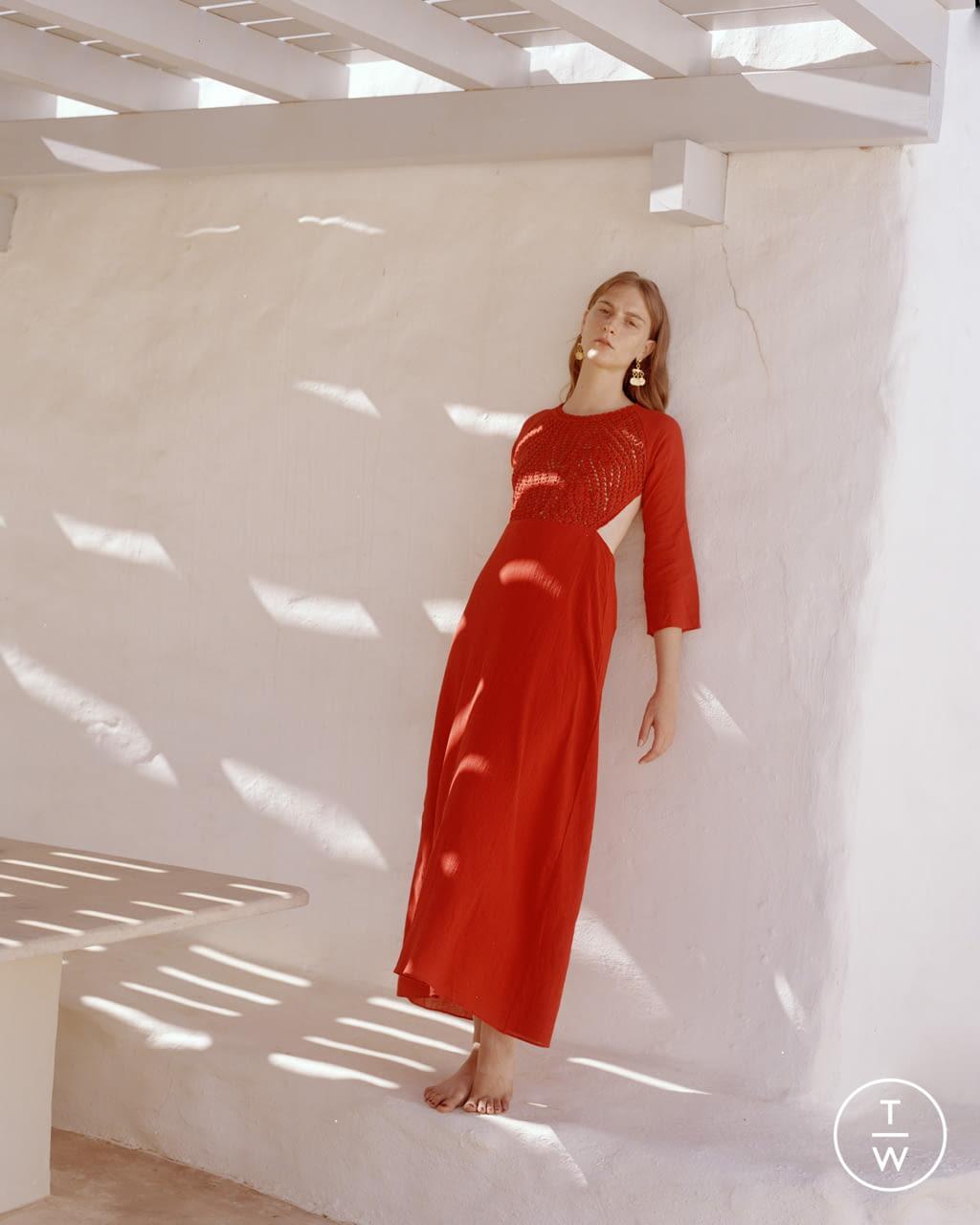 Fashion Week Paris Spring/Summer 2022 look 16 from the Antik Batik collection womenswear