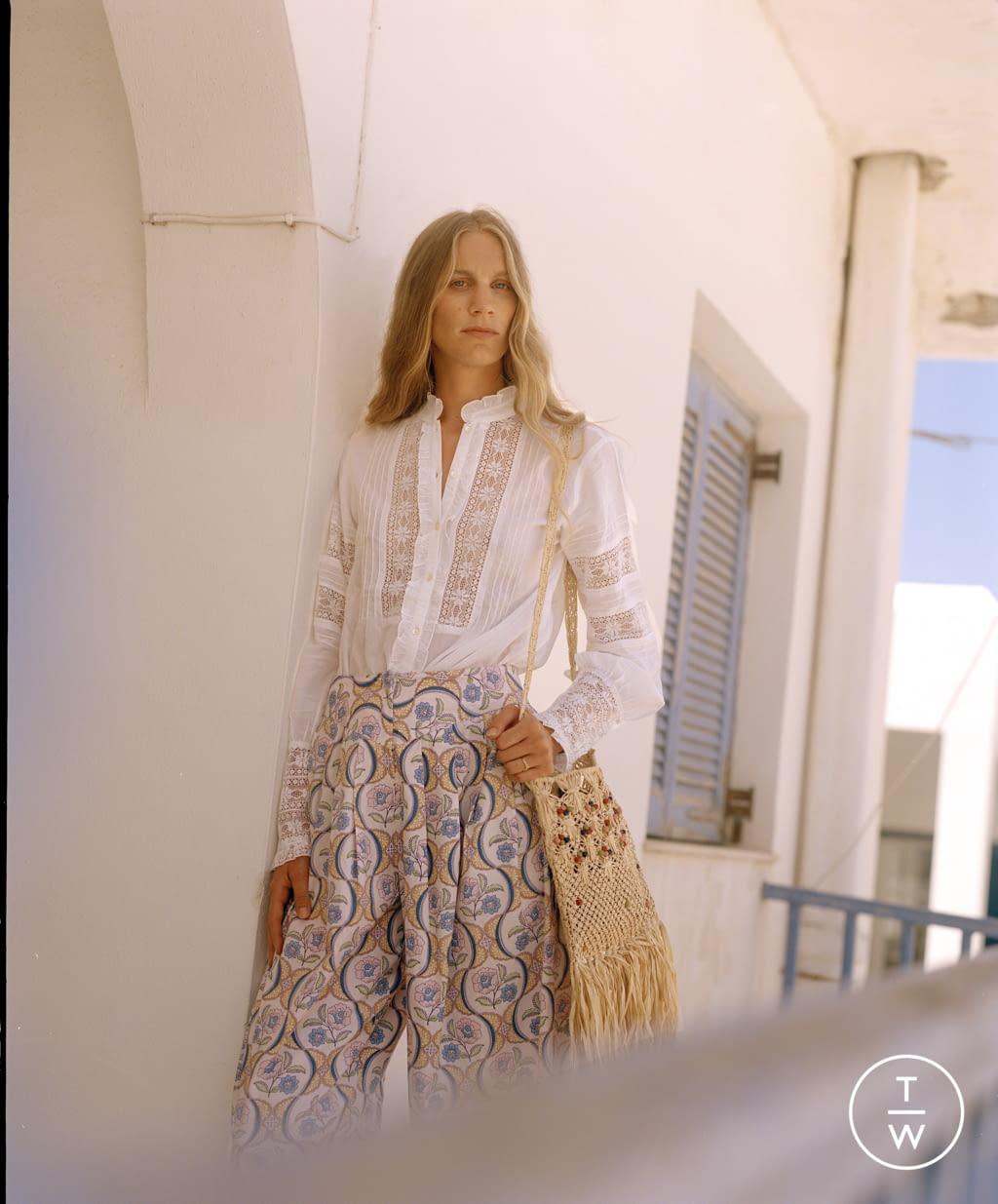 Fashion Week Paris Spring/Summer 2022 look 23 from the Antik Batik collection womenswear