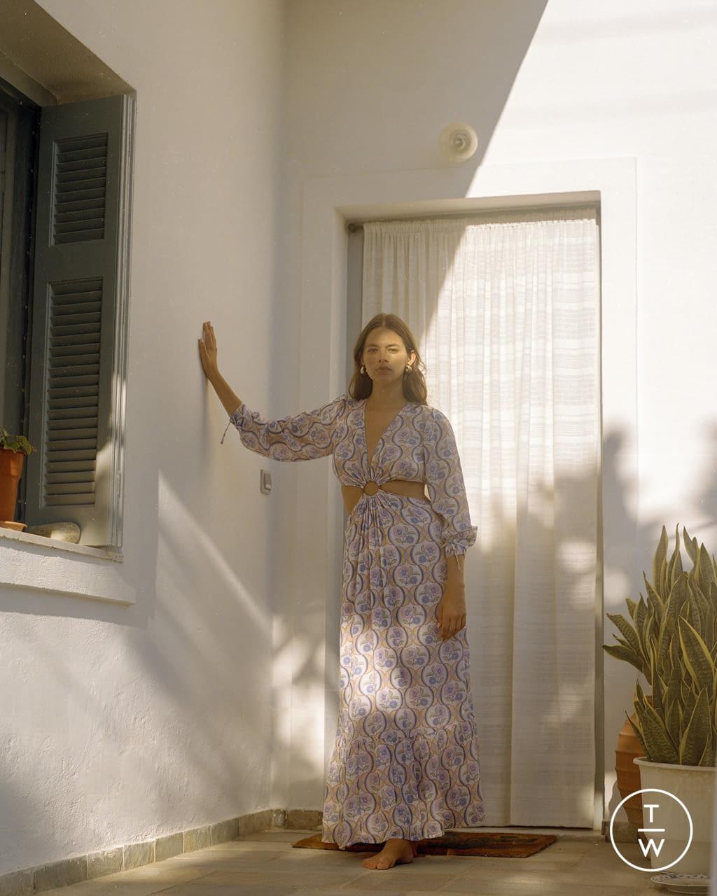 Fashion Week Paris Spring/Summer 2022 look 28 from the Antik Batik collection womenswear