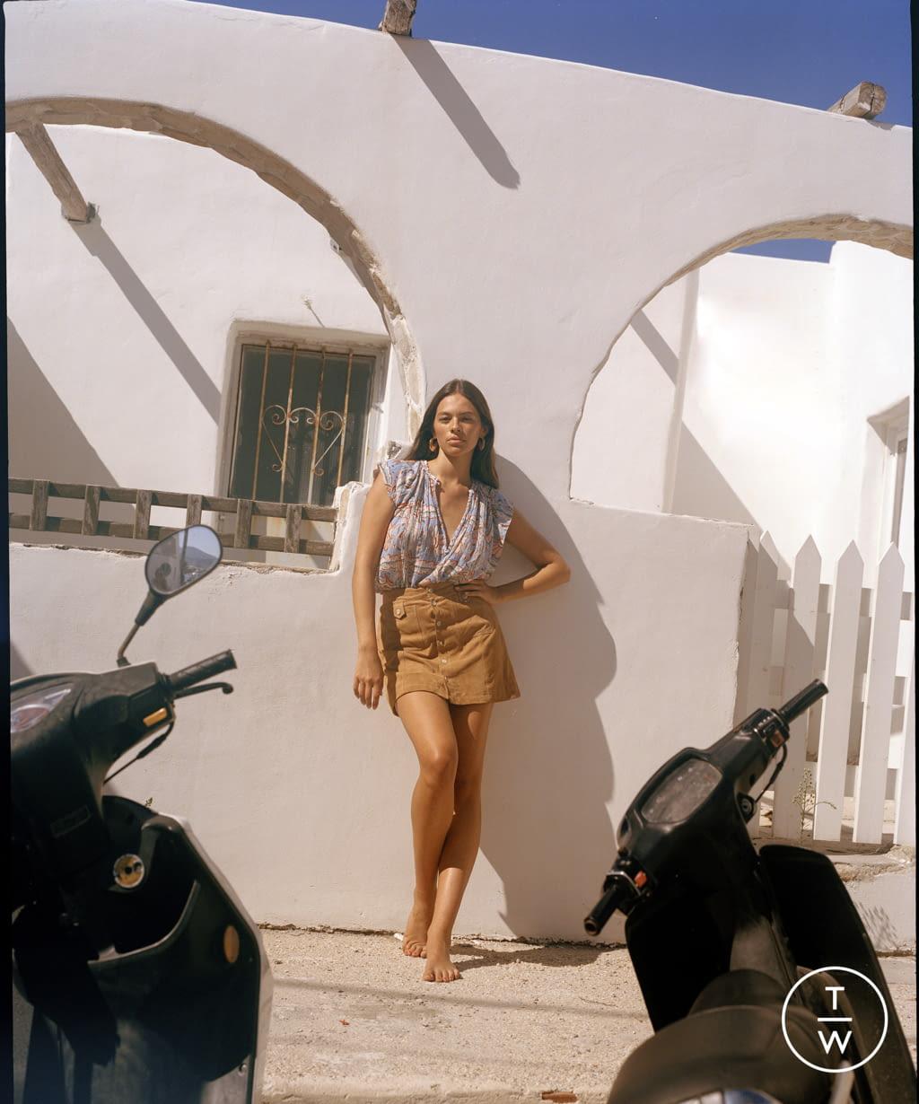 Fashion Week Paris Spring/Summer 2022 look 29 from the Antik Batik collection womenswear