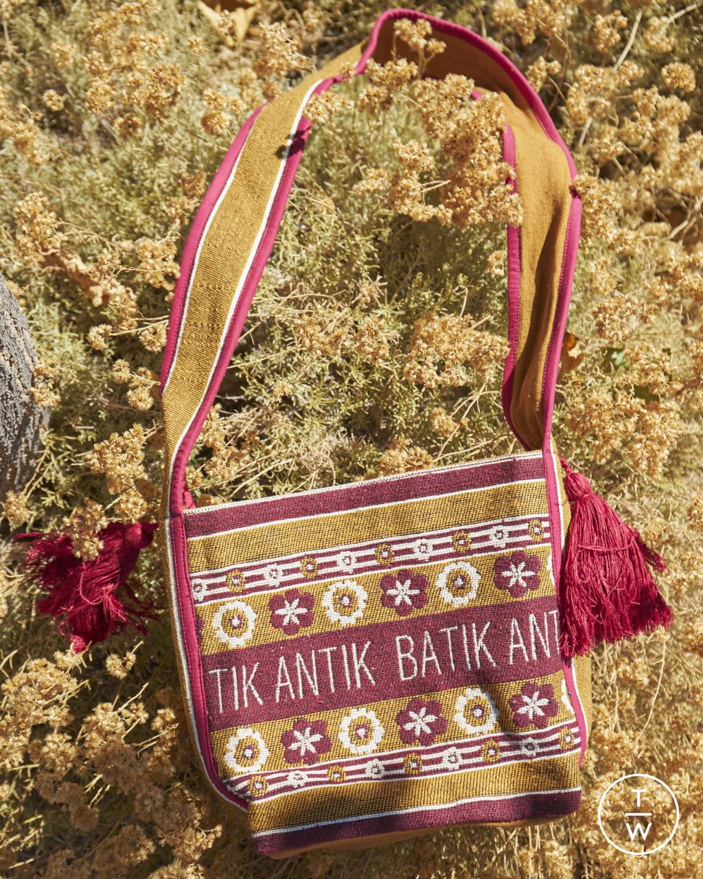 Fashion Week Paris Spring/Summer 2022 look 32 from the Antik Batik collection womenswear