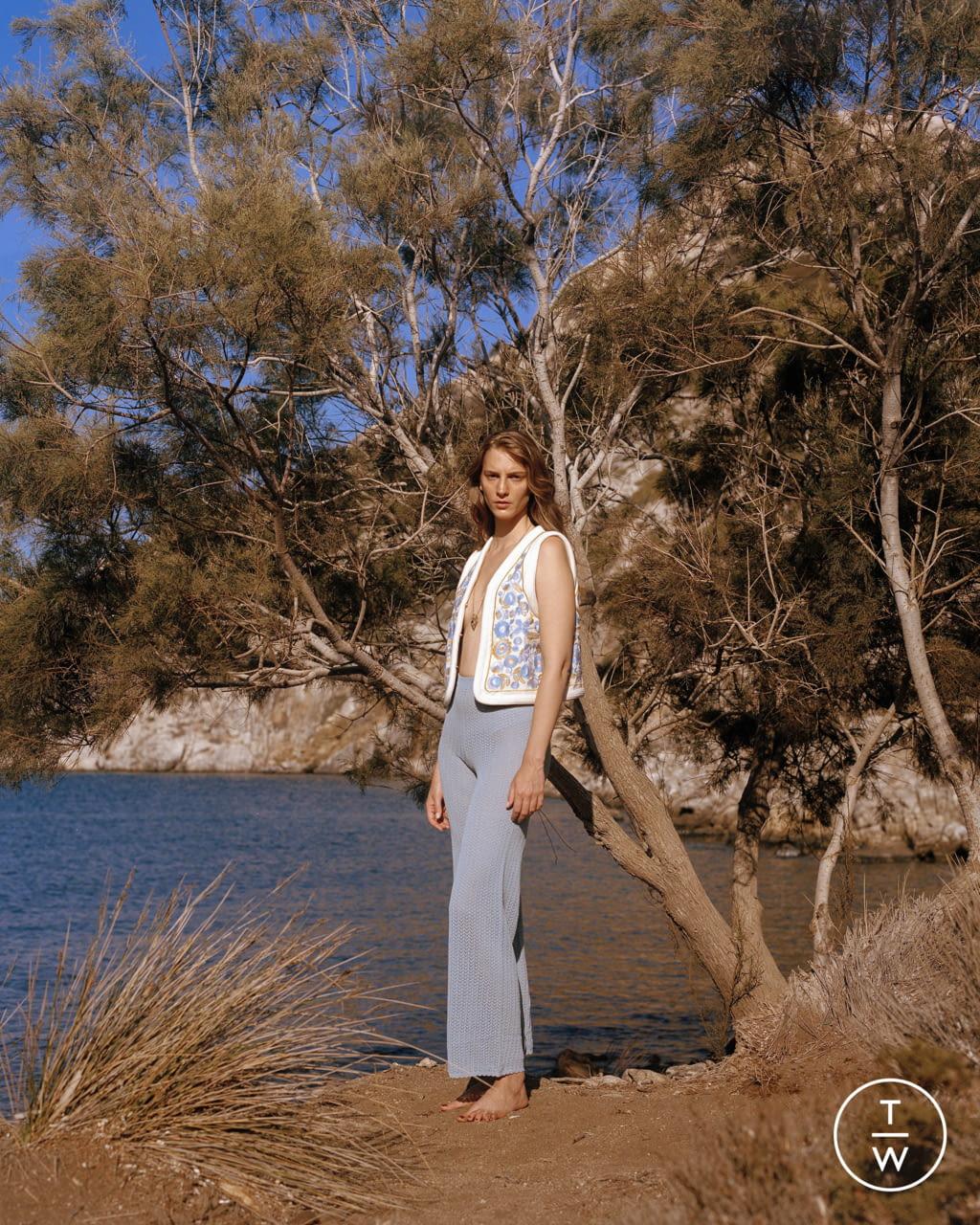 Fashion Week Paris Spring/Summer 2022 look 35 from the Antik Batik collection womenswear