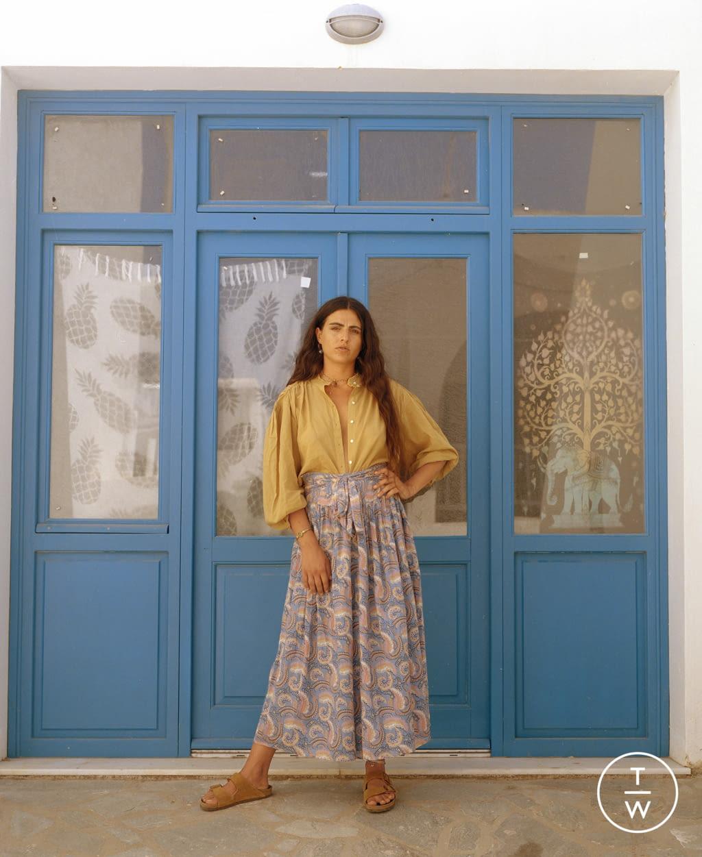 Fashion Week Paris Spring/Summer 2022 look 8 from the Antik Batik collection womenswear