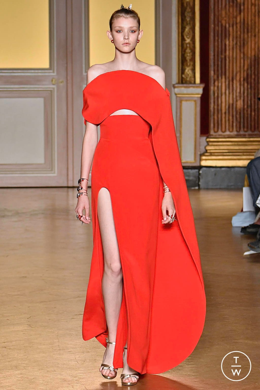 Fashion Week Paris Fall/Winter 2019 look 18 from the Antonio Grimaldi collection couture