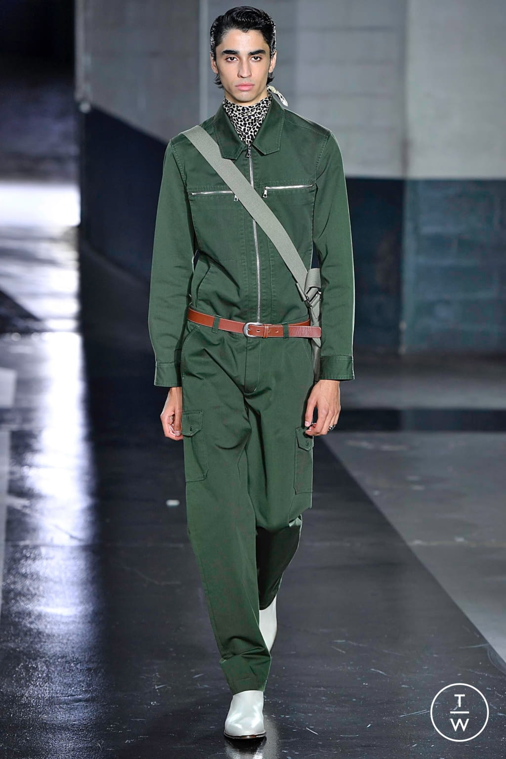 Fashion Week Paris Spring/Summer 2019 look 14 from the Apc collection womenswear