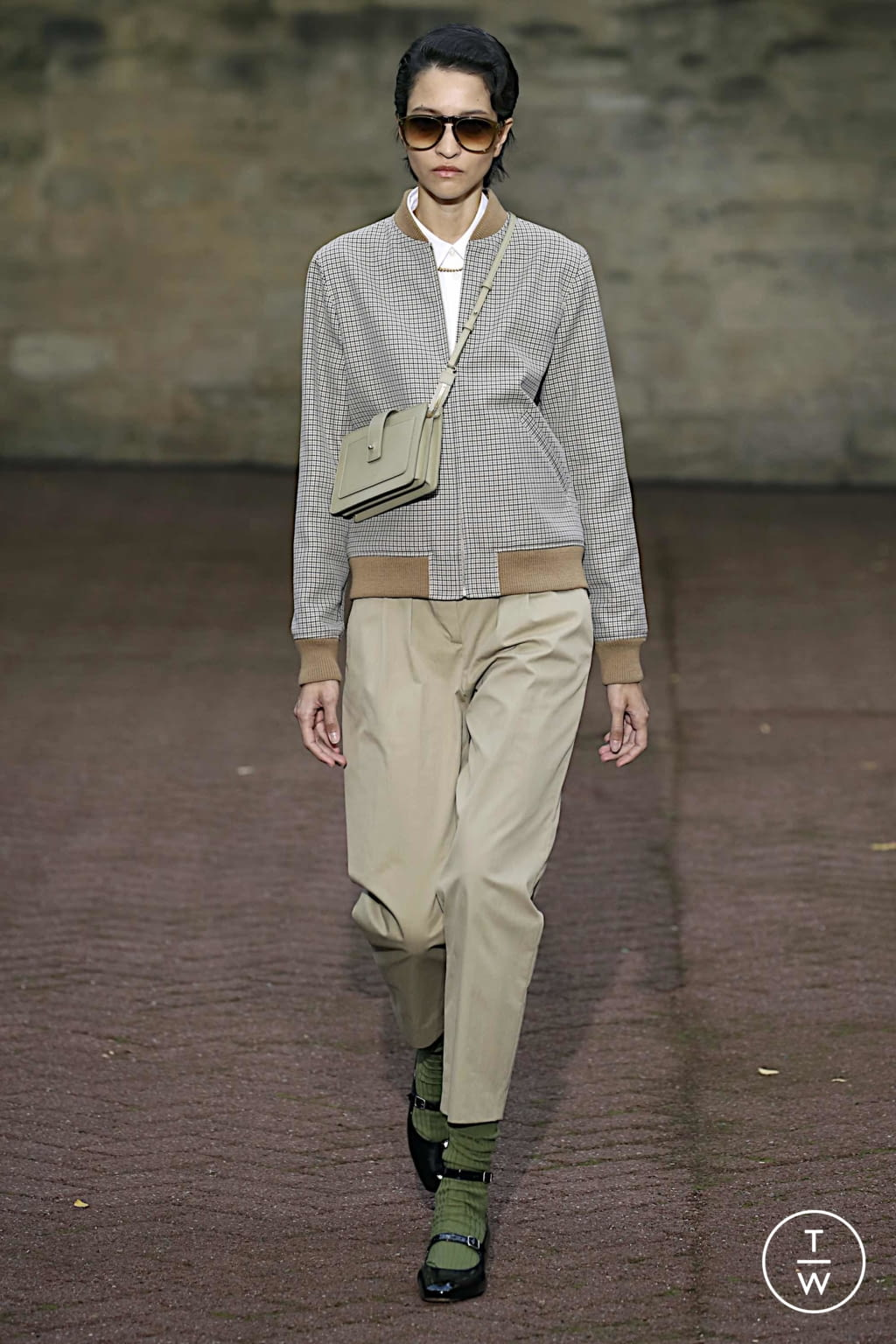 Fashion Week Paris Spring/Summer 2020 look 6 de la collection Apc womenswear