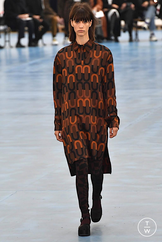 Fashion Week Milan Fall/Winter 2020 look 6 de la collection Arthur Arbesser womenswear
